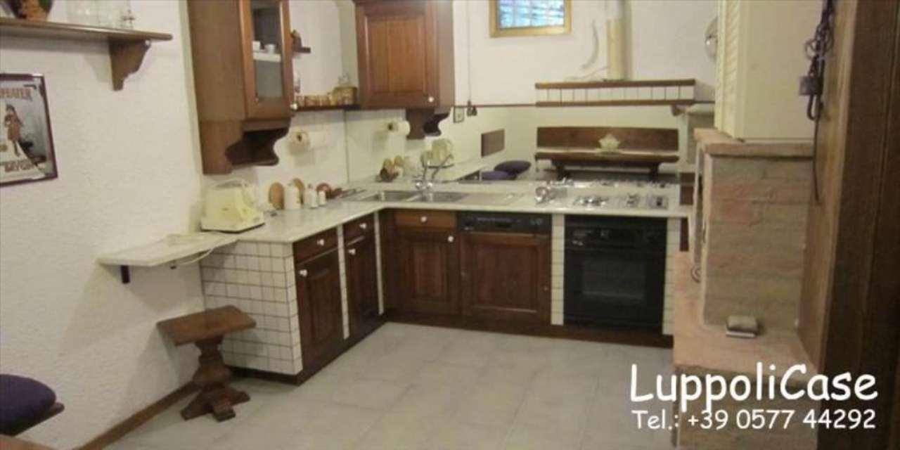 Appartamento in buone condizioni in vendita Rif. 7631583