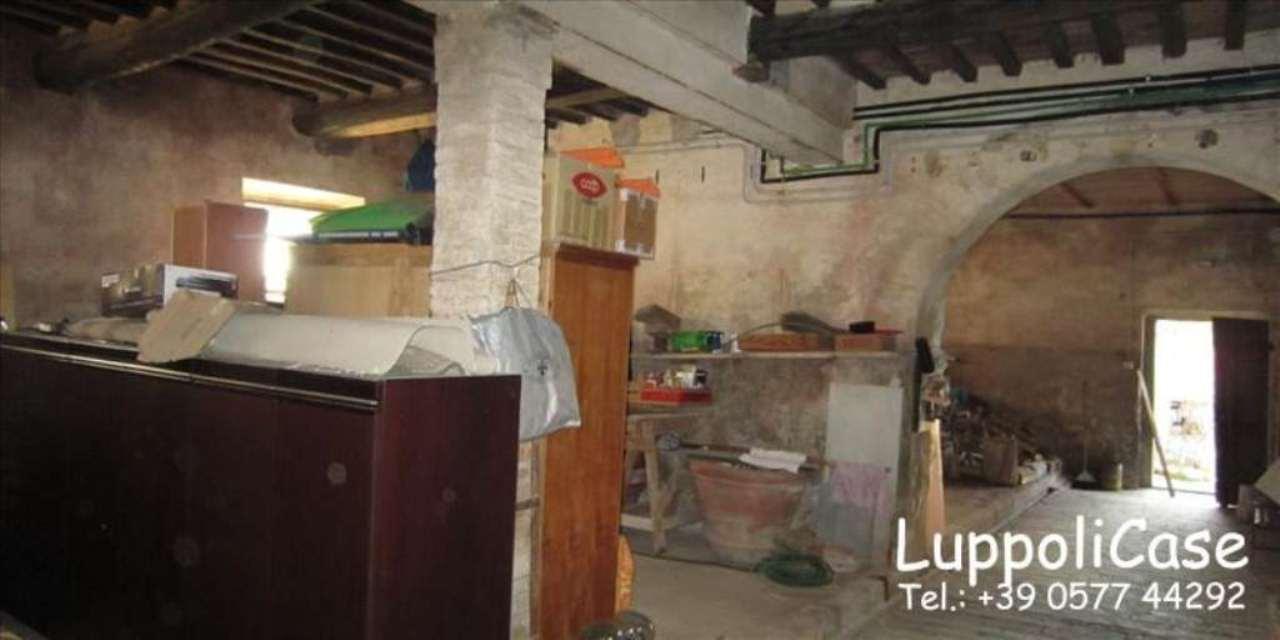 Appartamento in buone condizioni in vendita Rif. 7376344