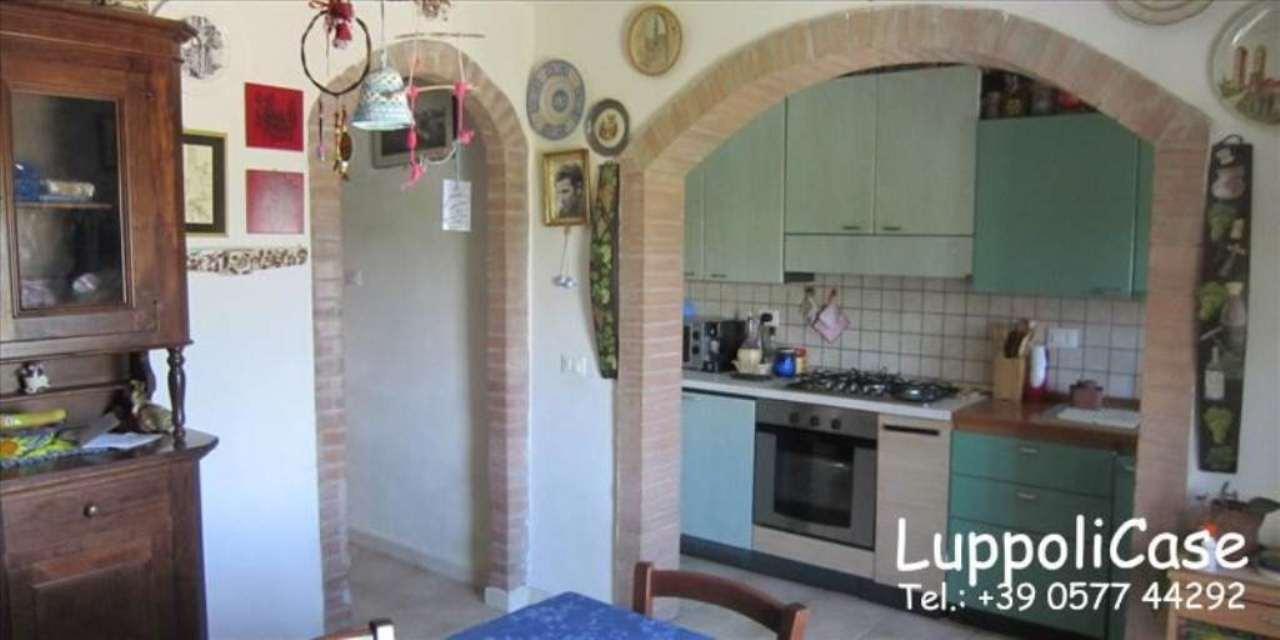 Appartamento in buone condizioni in vendita Rif. 7438775