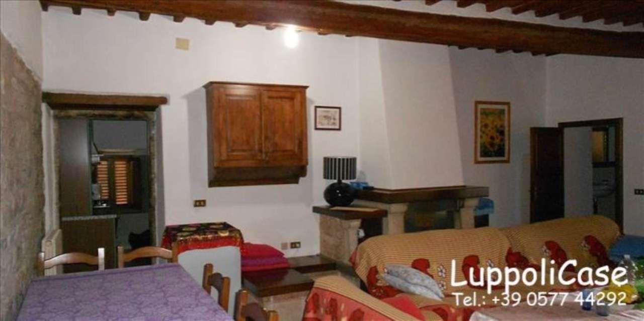 Appartamento in buone condizioni in vendita Rif. 8411796