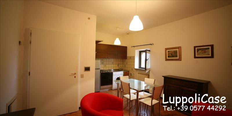 Appartamento in buone condizioni arredato in affitto Rif. 7376342