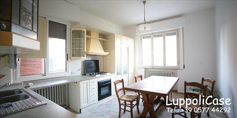 Appartamento in buone condizioni arredato in affitto Rif. 7890783