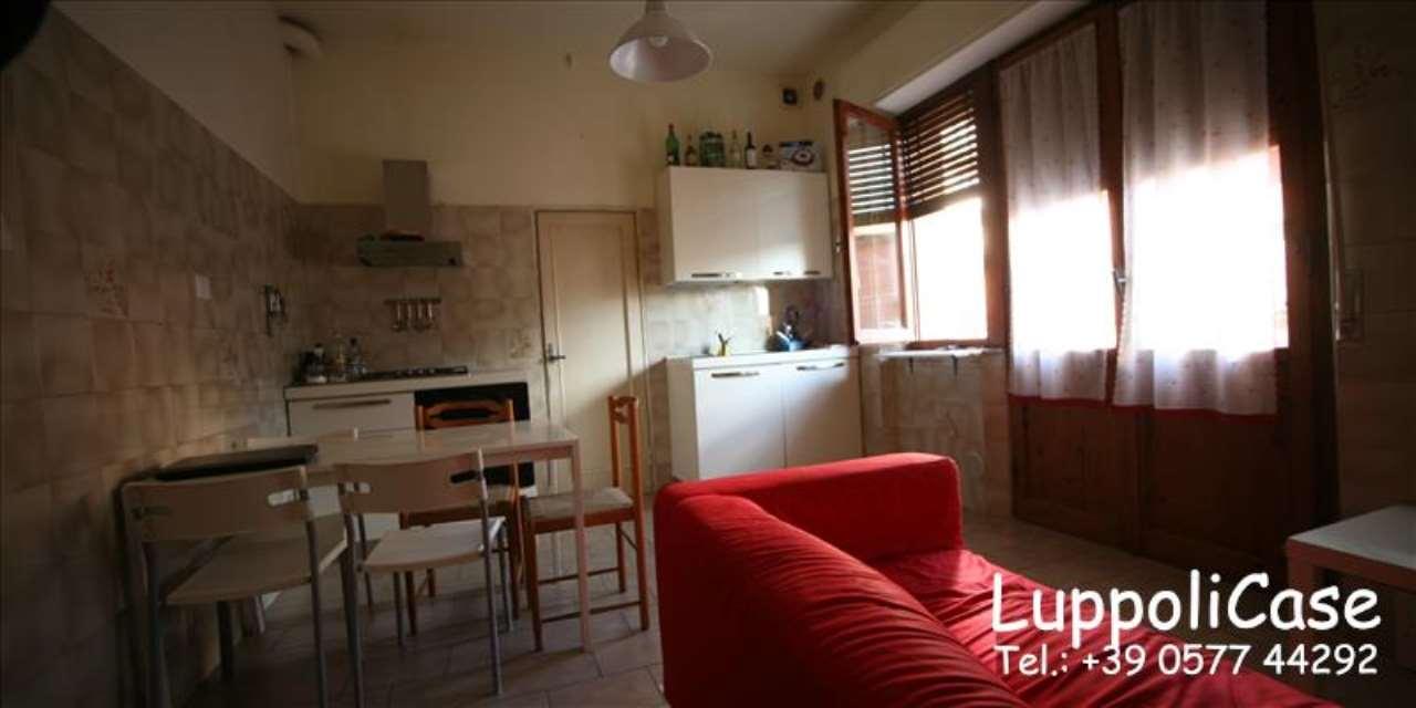 Appartamento in buone condizioni in vendita Rif. 7890782
