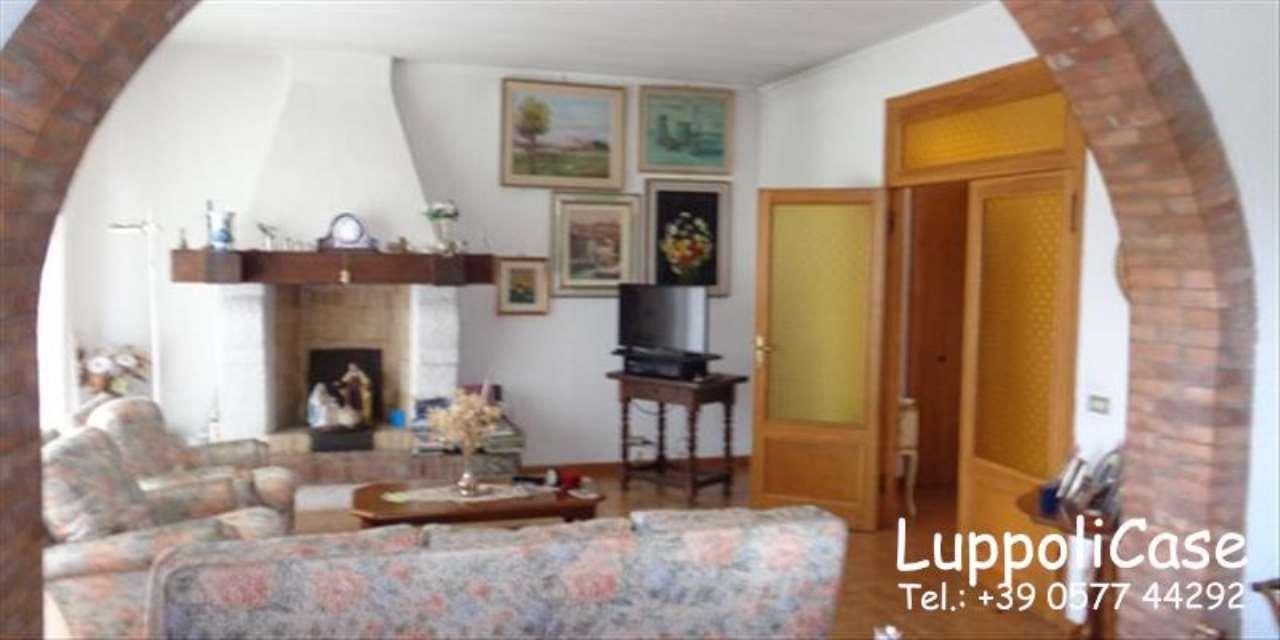 Appartamento in buone condizioni in vendita Rif. 7930918