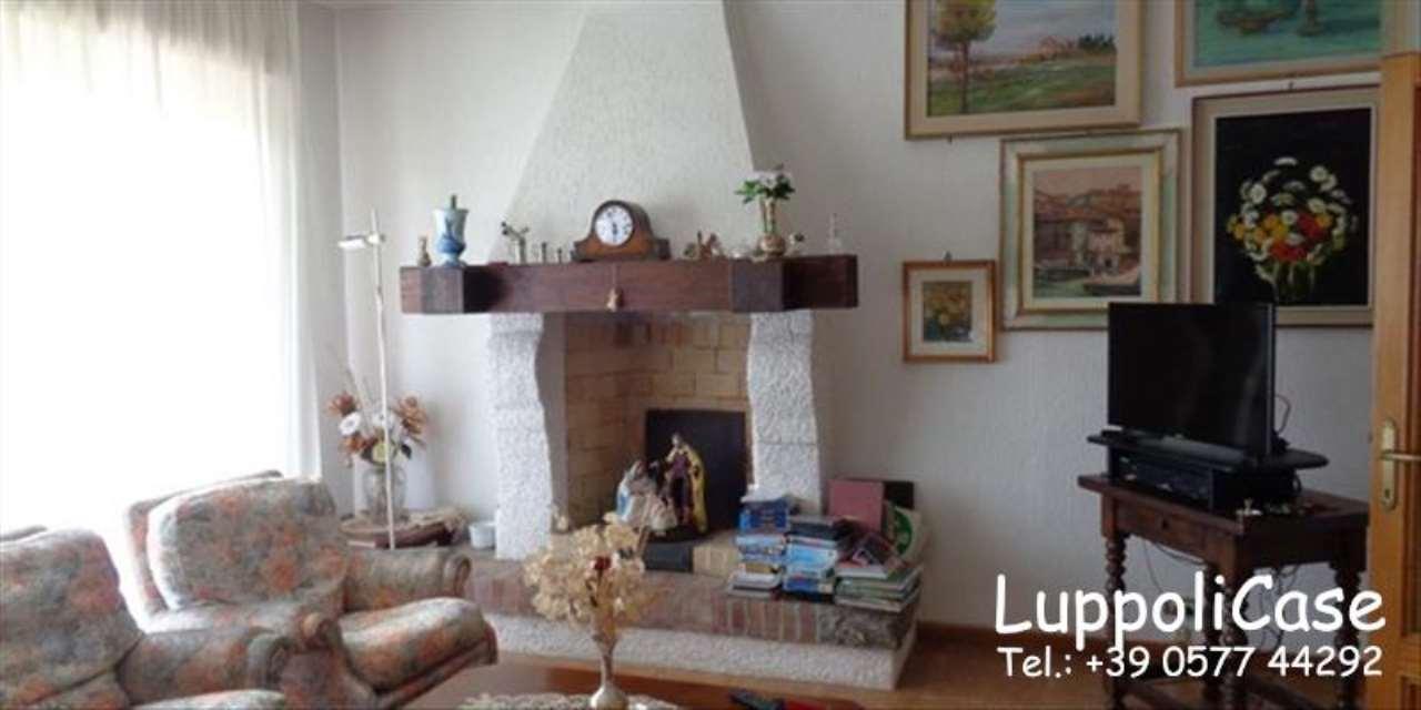 Appartamento in buone condizioni in affitto Rif. 4903079