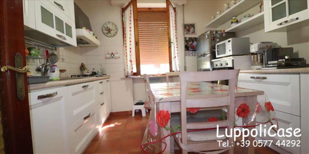 Appartamento in buone condizioni in vendita Rif. 6391279