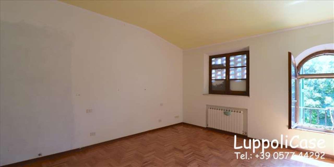 Appartamento in buone condizioni in affitto Rif. 7173863