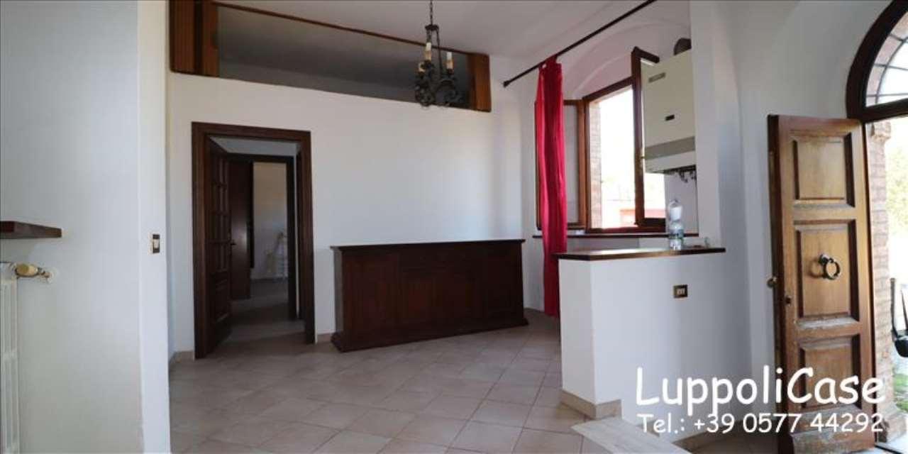 Appartamento in buone condizioni in vendita Rif. 7577695