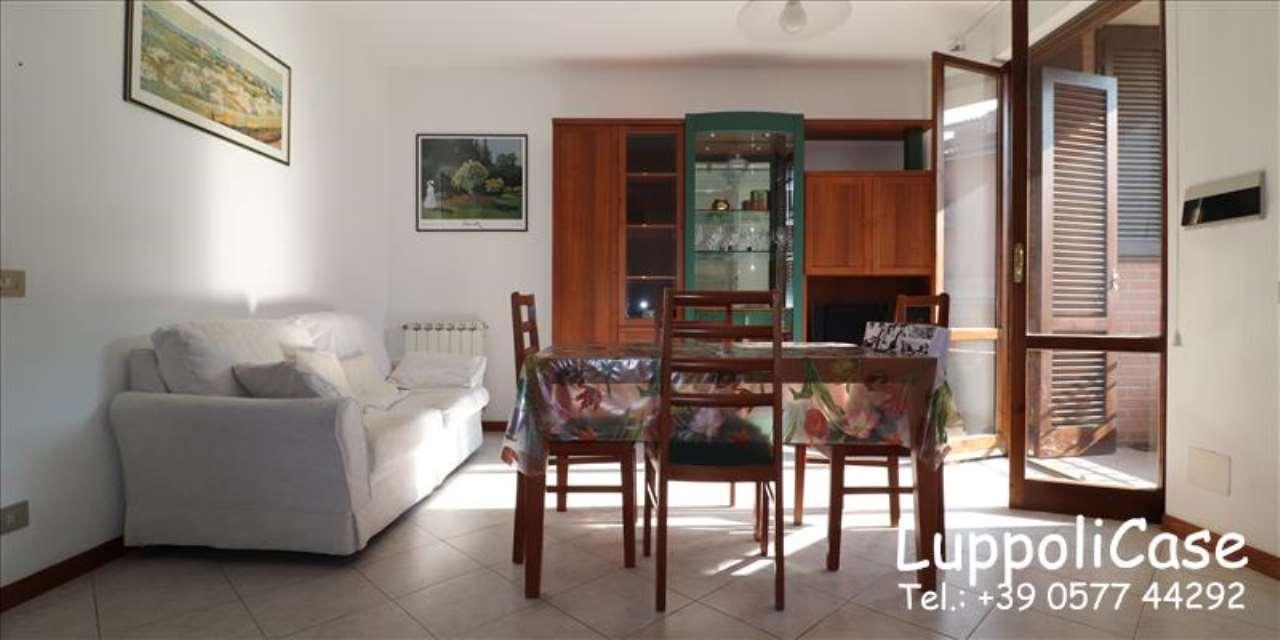 Appartamento in buone condizioni in vendita Rif. 7758767