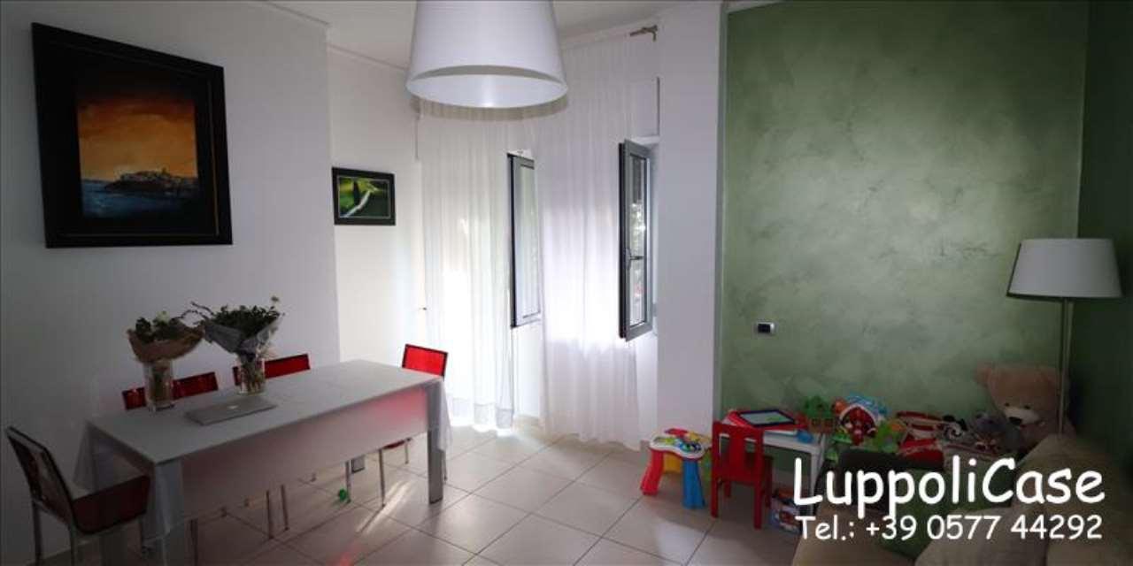 Appartamento in buone condizioni in vendita Rif. 7930909