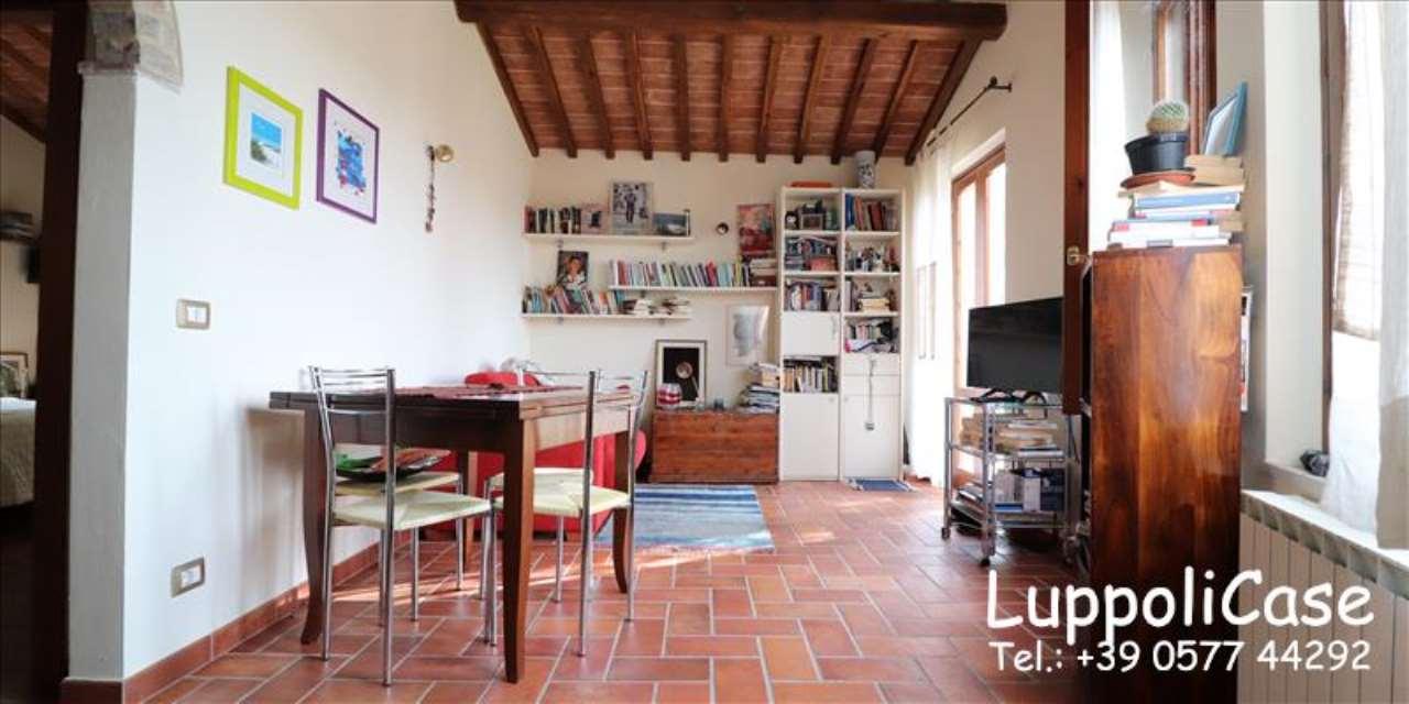 Appartamento in buone condizioni in affitto Rif. 7930919