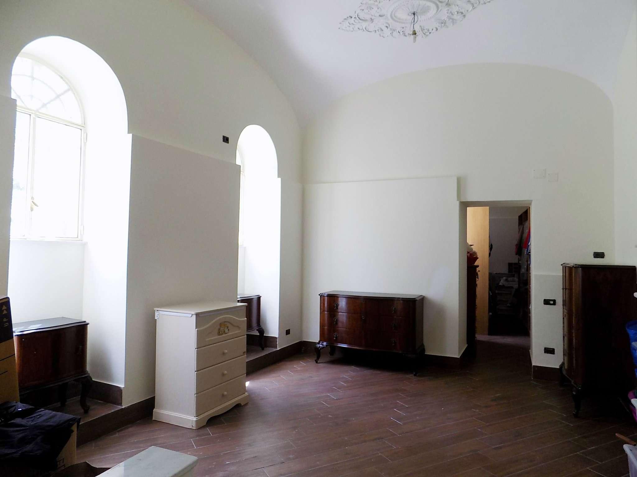 Appartamento in buone condizioni in affitto Rif. 8466822