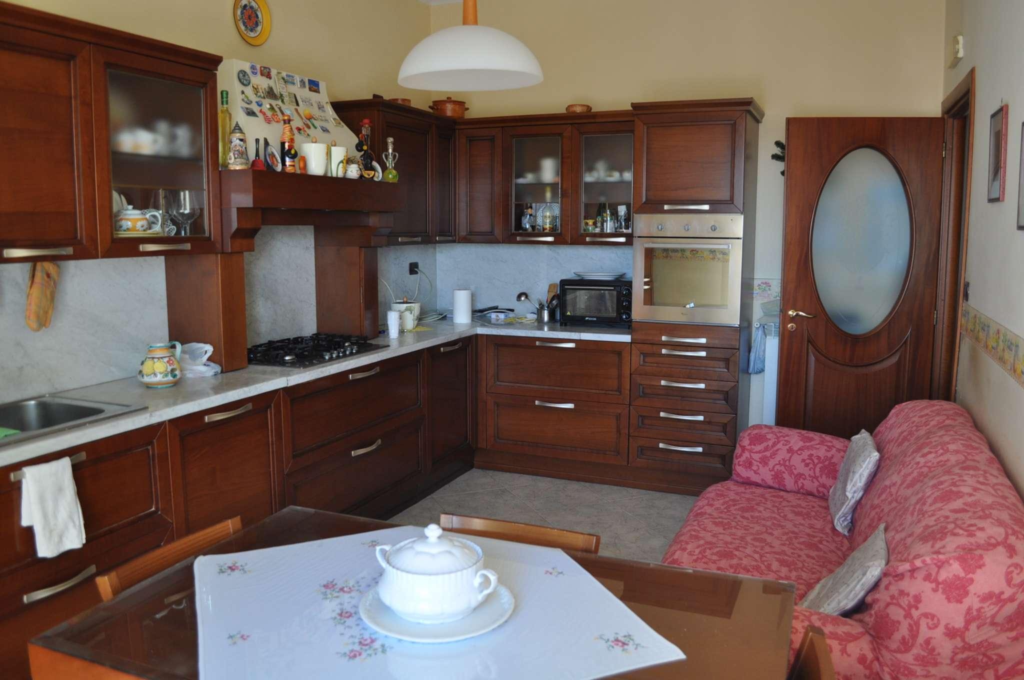 Stanza / posto letto in affitto Rif. 8139335