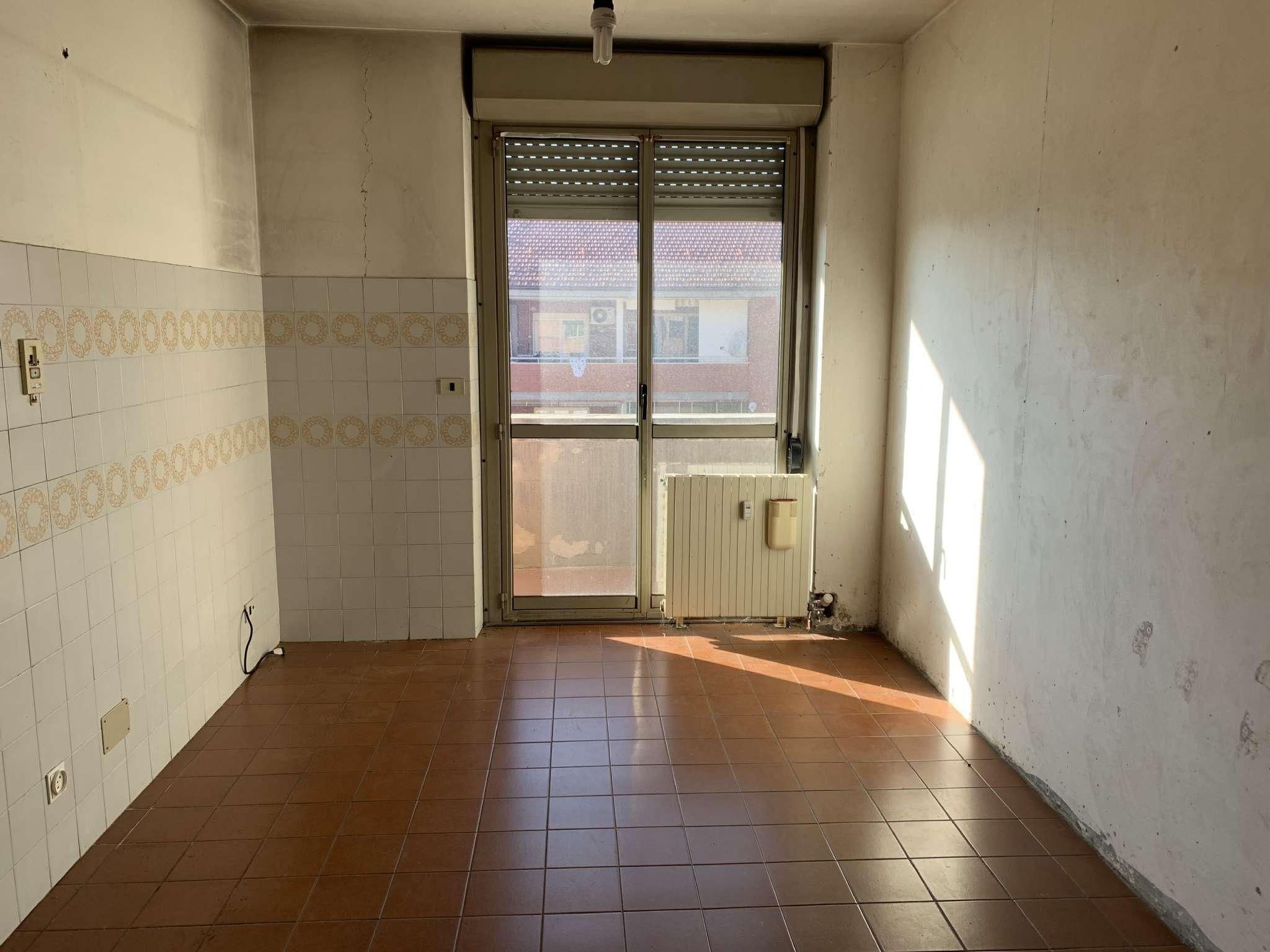 Appartamento in vendita a Cuneo, 5 locali, prezzo € 86.000 | CambioCasa.it
