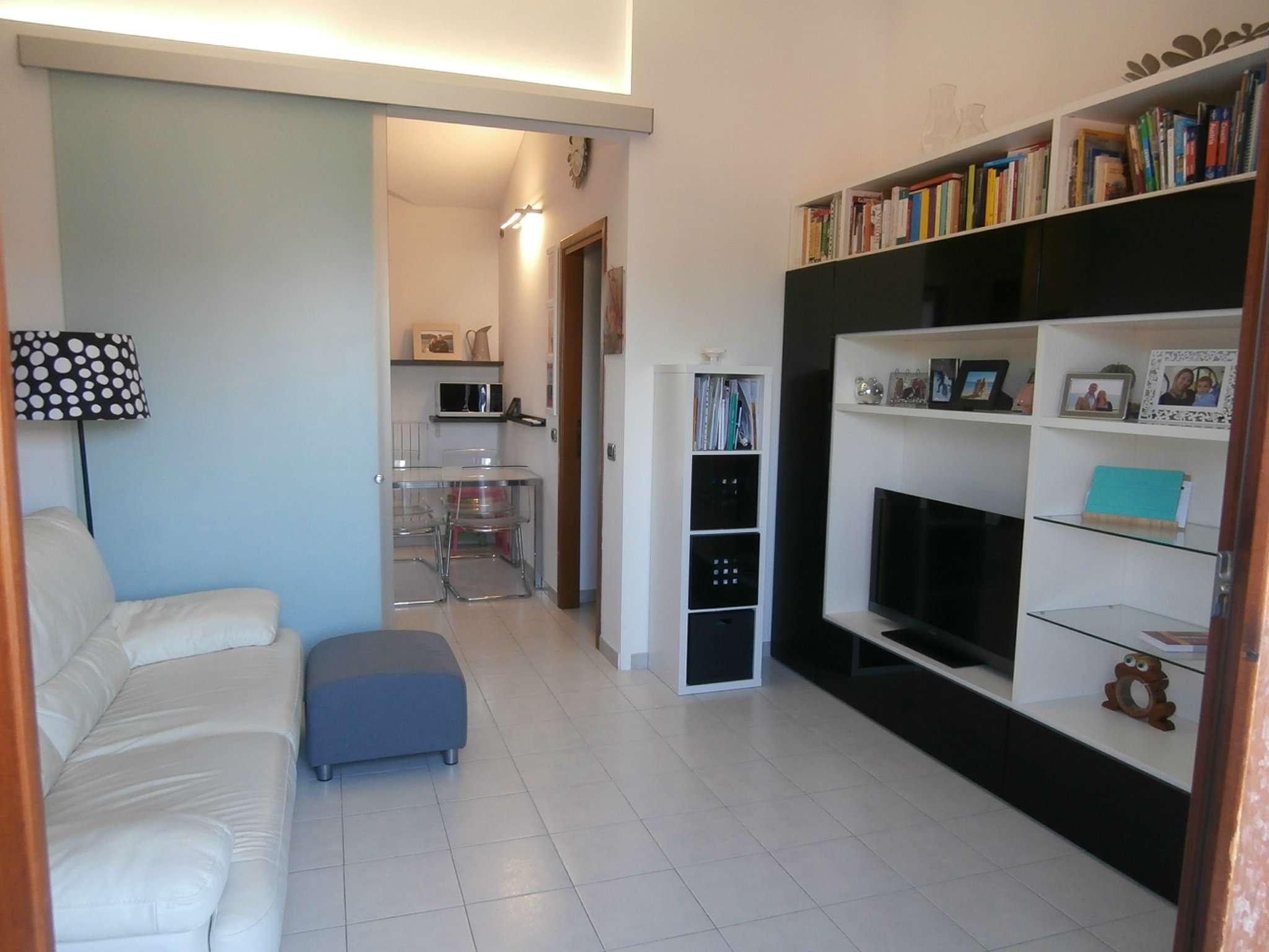 Sant'Agata B. Appartamento secondo e ultimo piano con doppio garage