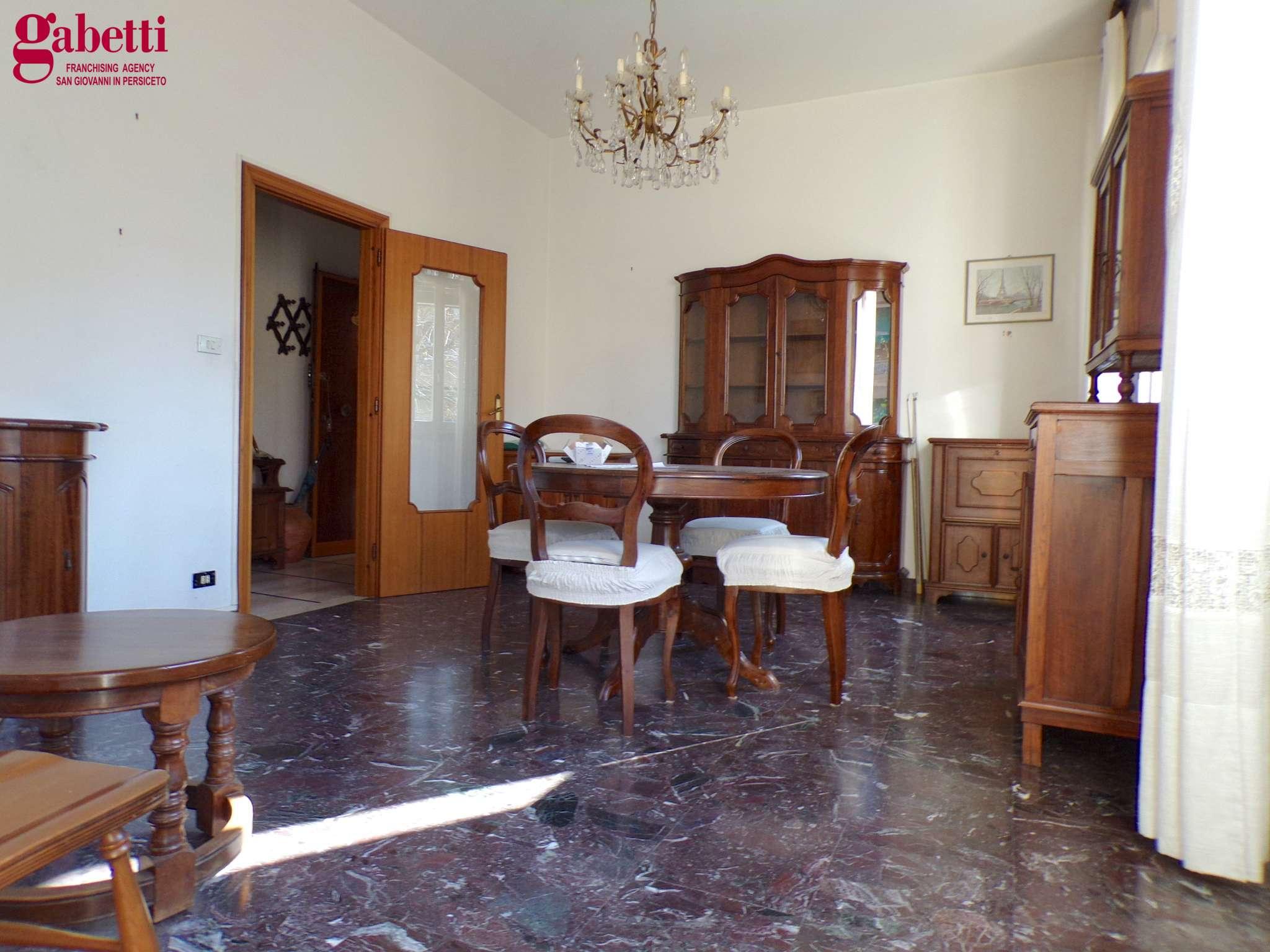 Appartamento in vendita a San Giovanni in Persiceto, 4 locali, prezzo € 140.000 | PortaleAgenzieImmobiliari.it