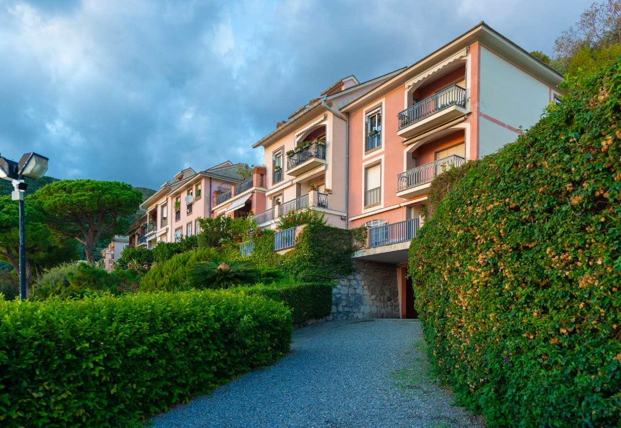 Appartamento in vendita a Bogliasco, 6 locali, prezzo € 430.000   CambioCasa.it