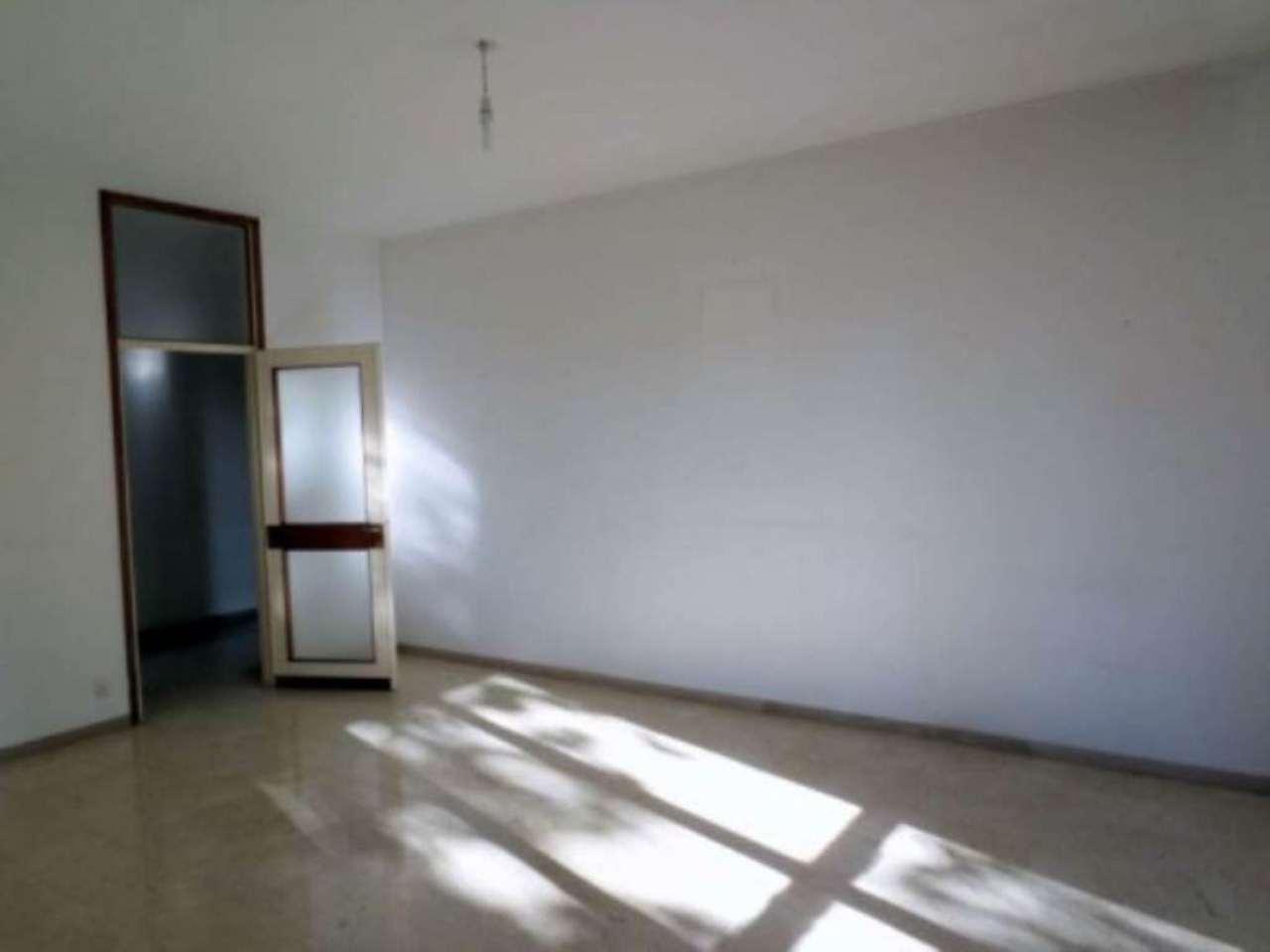 Appartamento in buone condizioni arredato in affitto Rif. 4912804