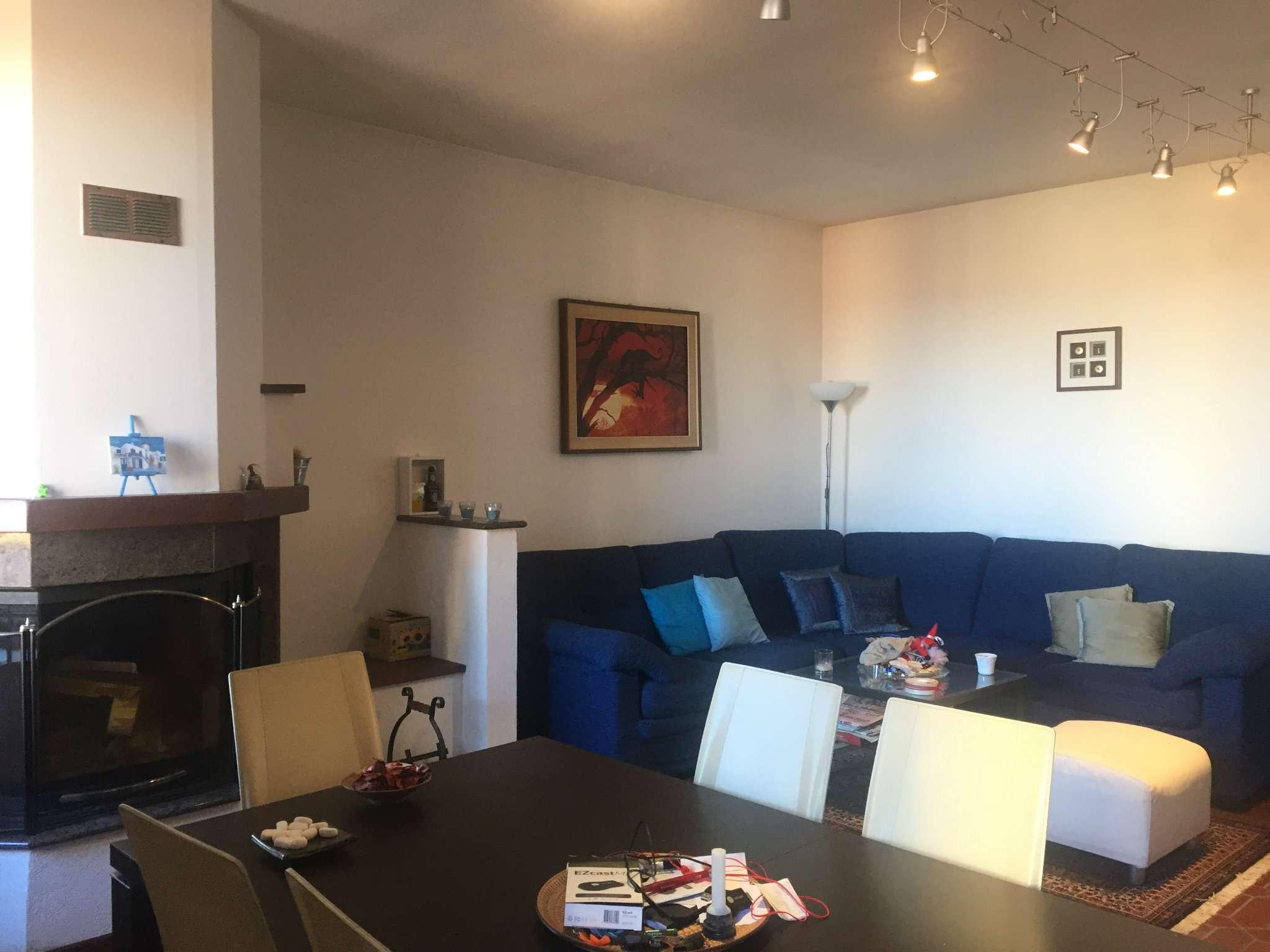 Appartamento in buone condizioni in vendita Rif. 4912834