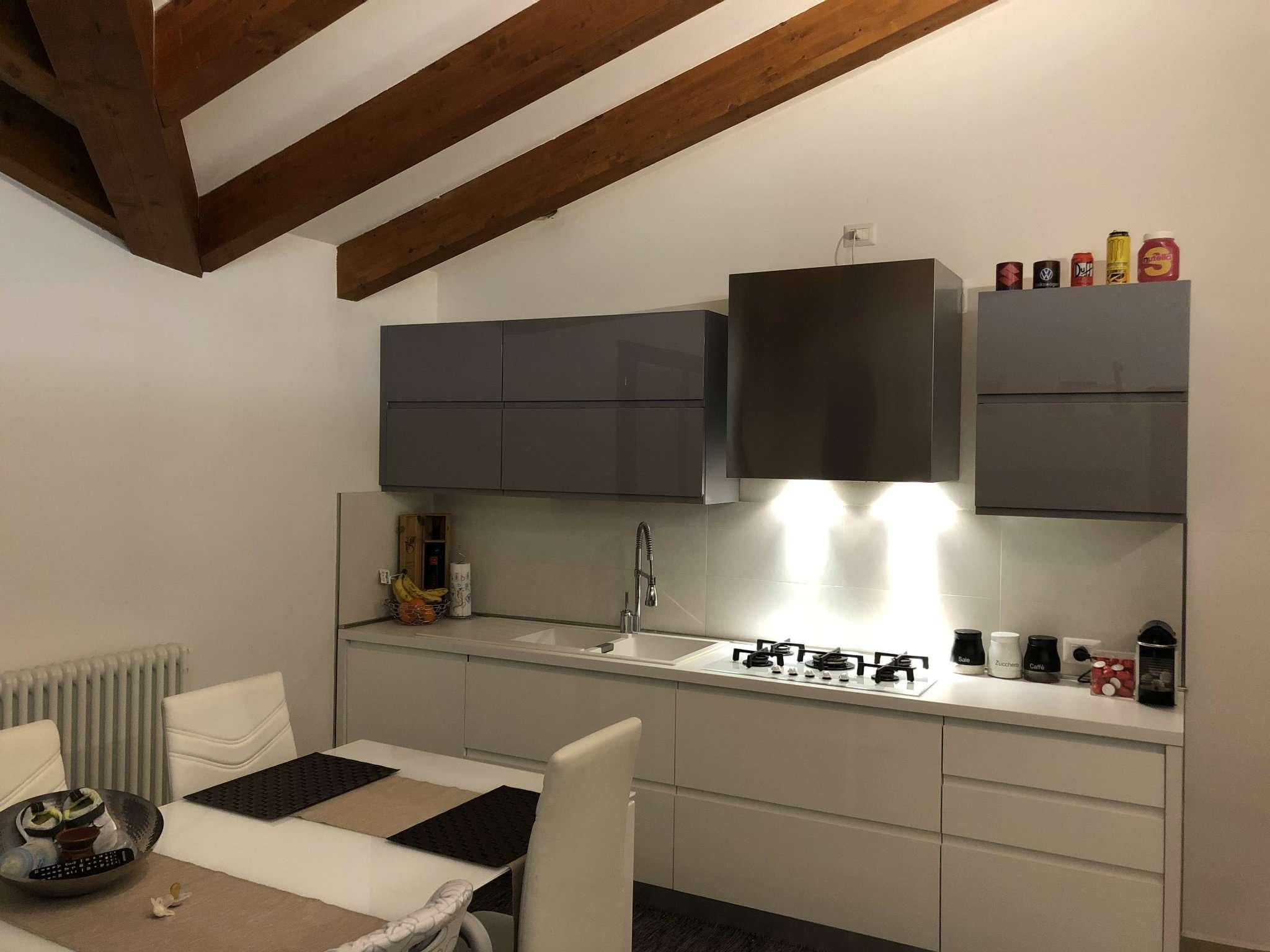 Appartamento in ottime condizioni in vendita Rif. 4912854