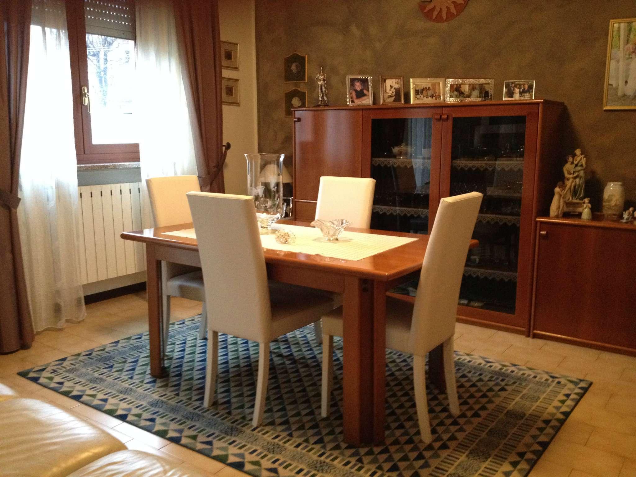 Appartamento in vendita a Malnate, 3 locali, prezzo € 160.000 | CambioCasa.it