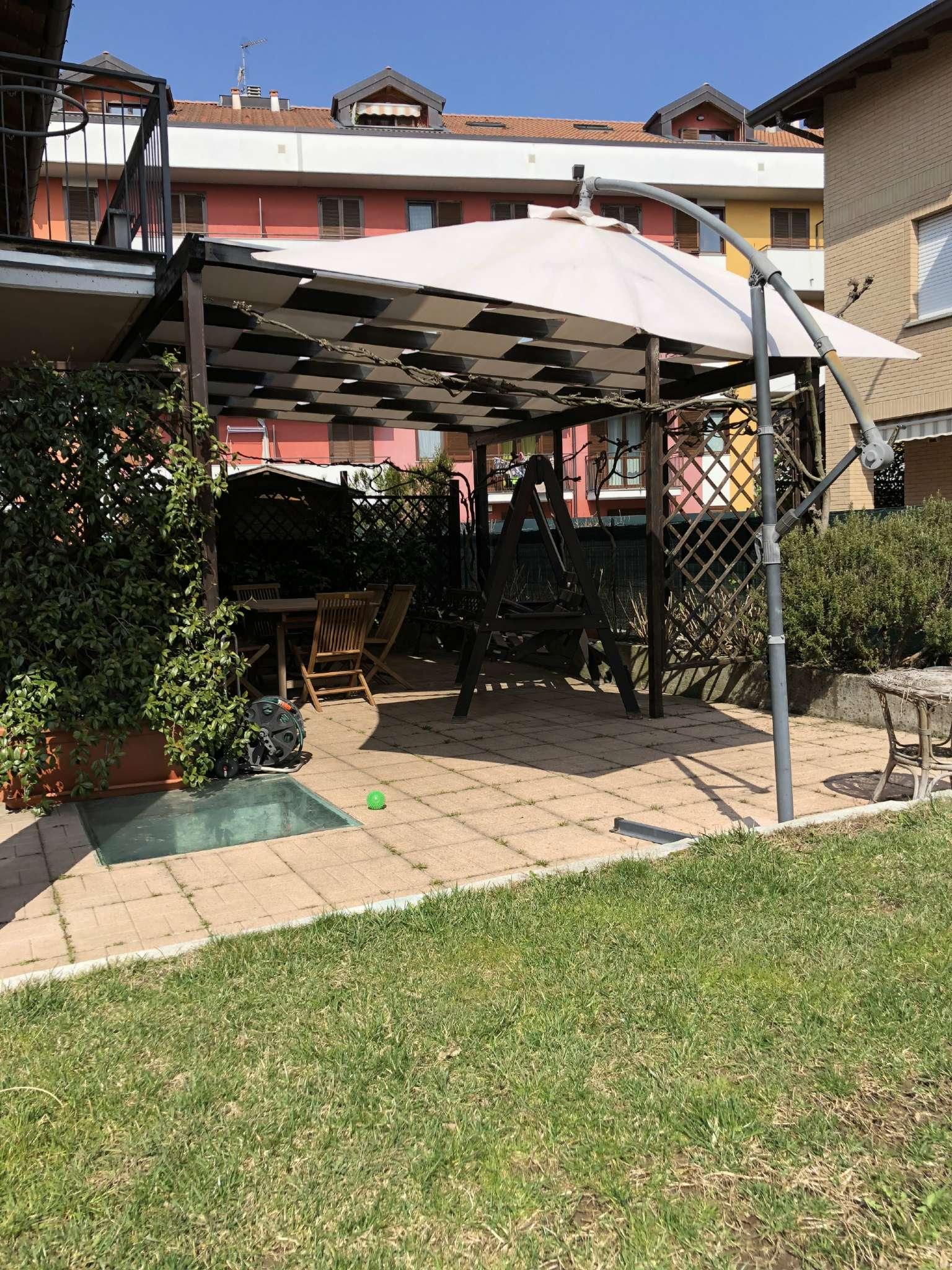 Villa Bifamiliare in vendita a Malnate, 4 locali, prezzo € 275.000 | CambioCasa.it