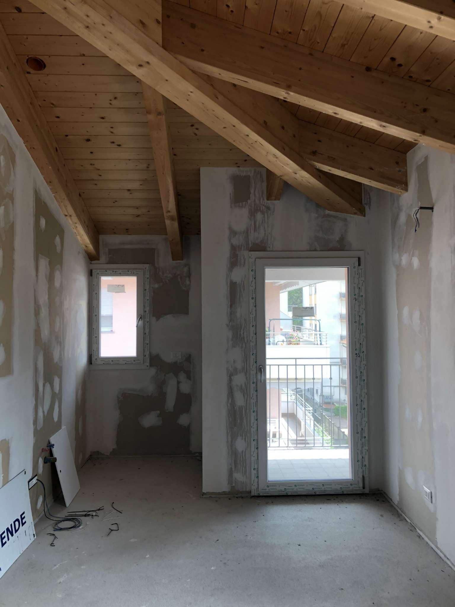 Annunci di case e appartamenti in vendita a olgiate for Case in affitto arredate olgiate comasco