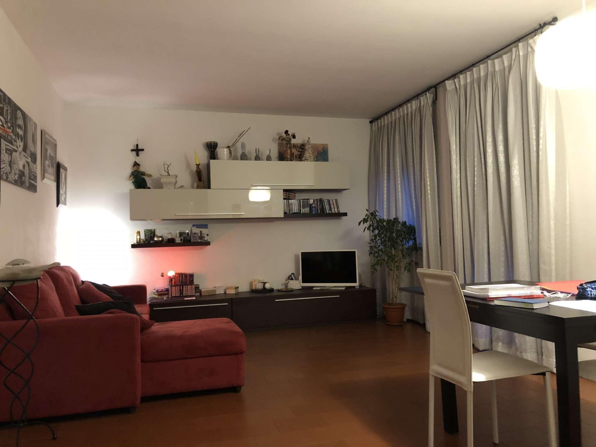 Appartamento in affitto a Malnate, 3 locali, prezzo € 500 | CambioCasa.it