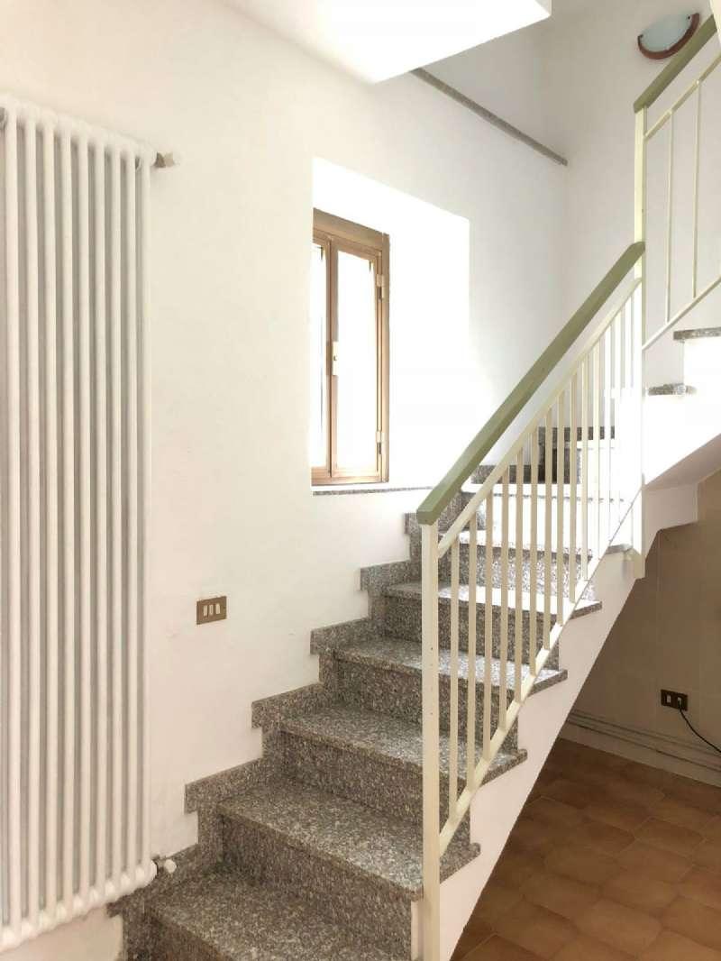 Palazzo / Stabile in vendita a Malnate, 9999 locali, prezzo € 45.000   CambioCasa.it