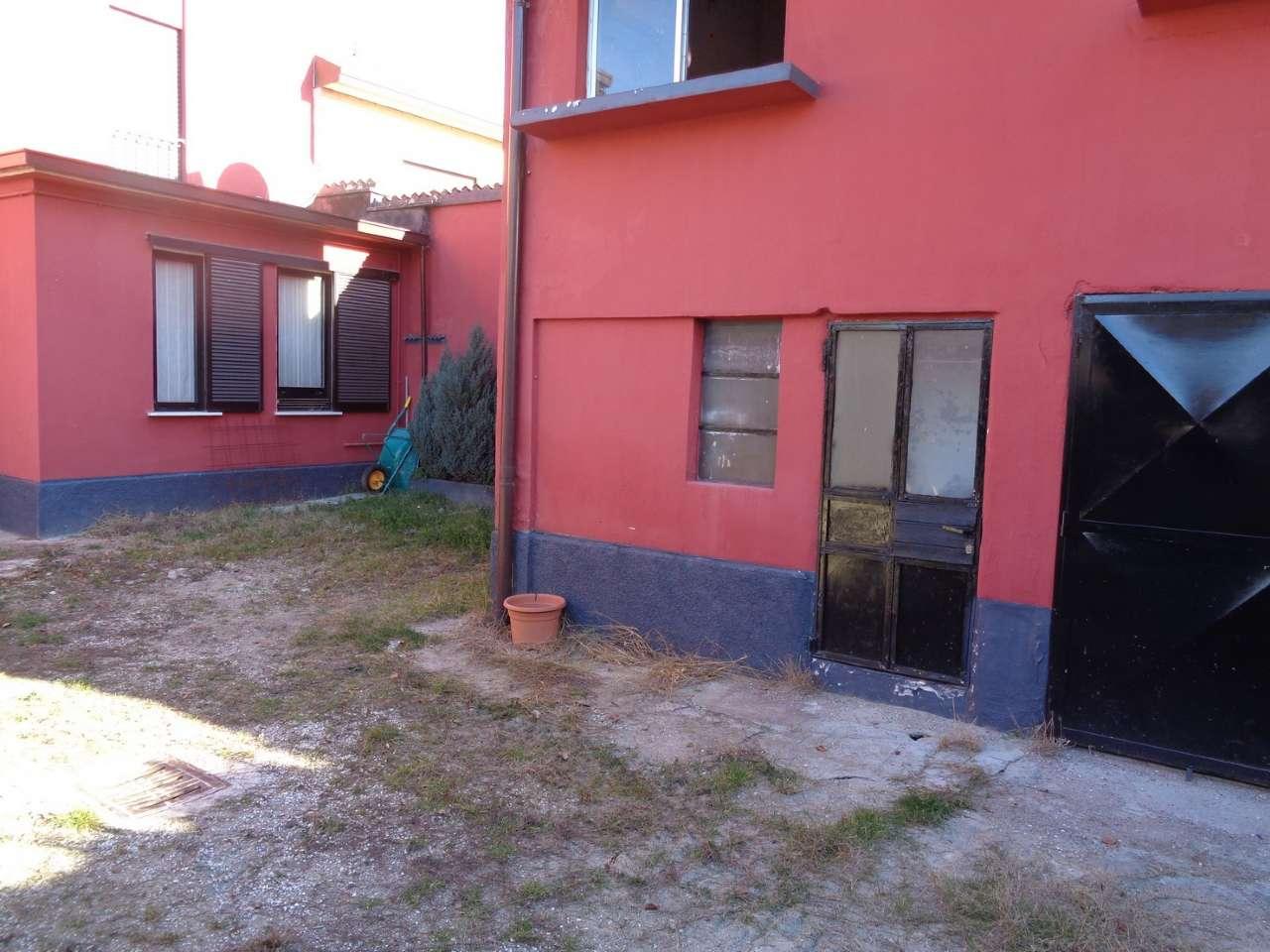 Appartamento in vendita a Vedano Olona, 1 locali, prezzo € 52.000   CambioCasa.it
