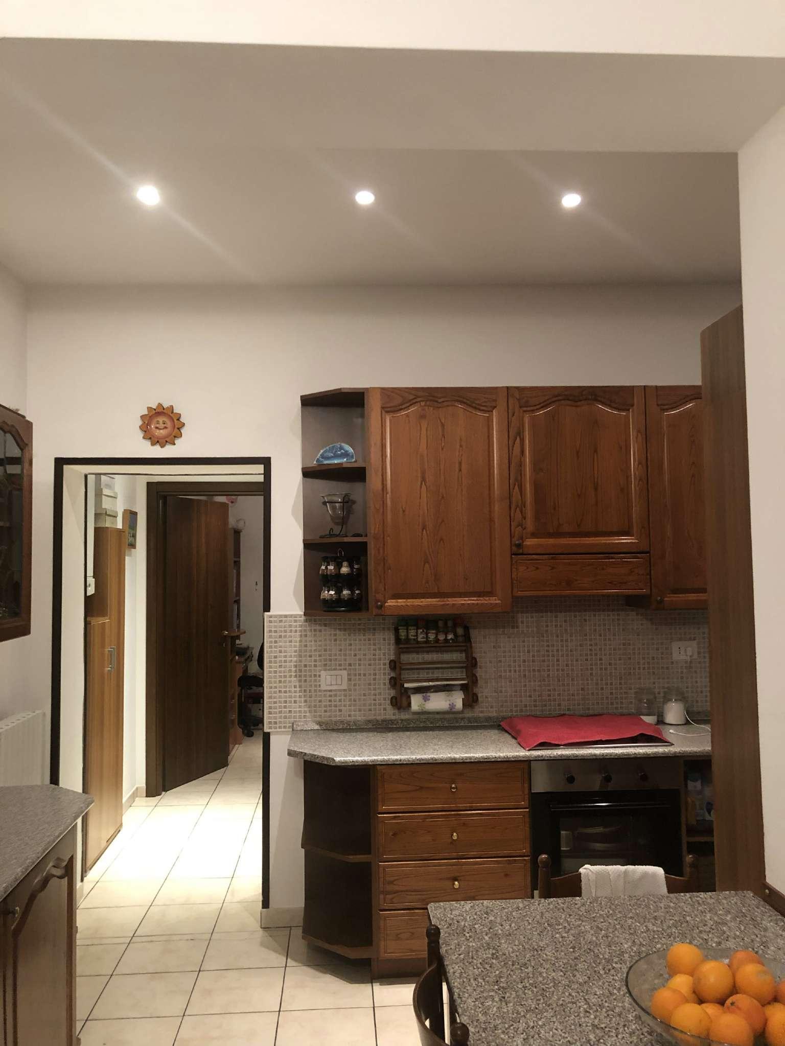 Appartamento in vendita a Vedano Olona, 3 locali, prezzo € 90.000   CambioCasa.it
