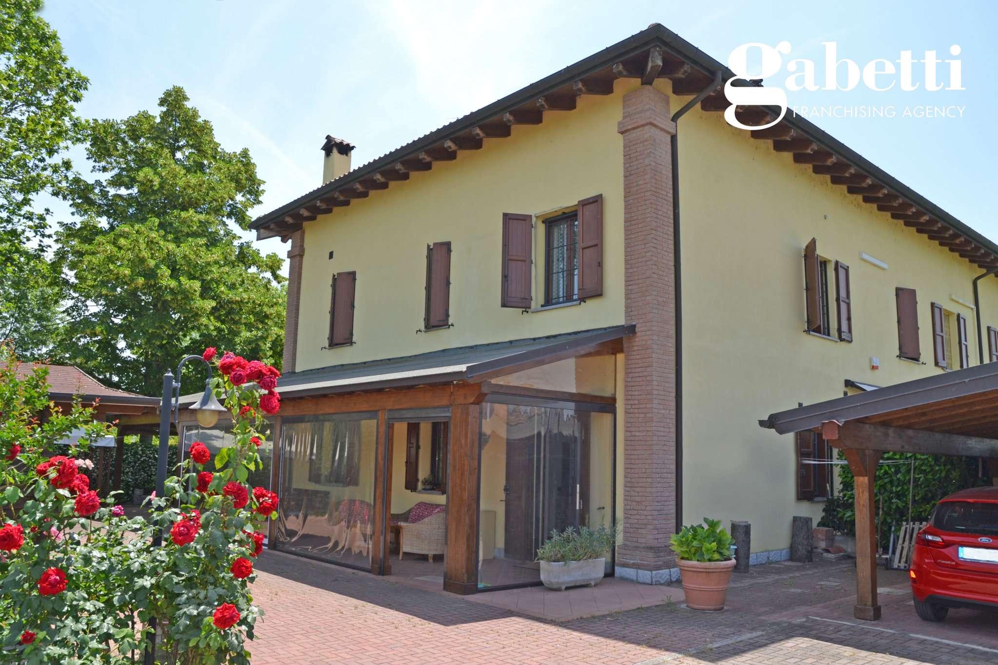 Villa Tri-Quadrifamiliare in Vendita a Castel Maggiore