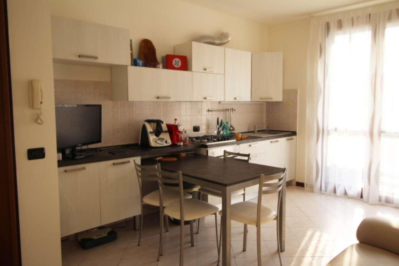 Appartamento in buone condizioni in vendita Rif. 8244034