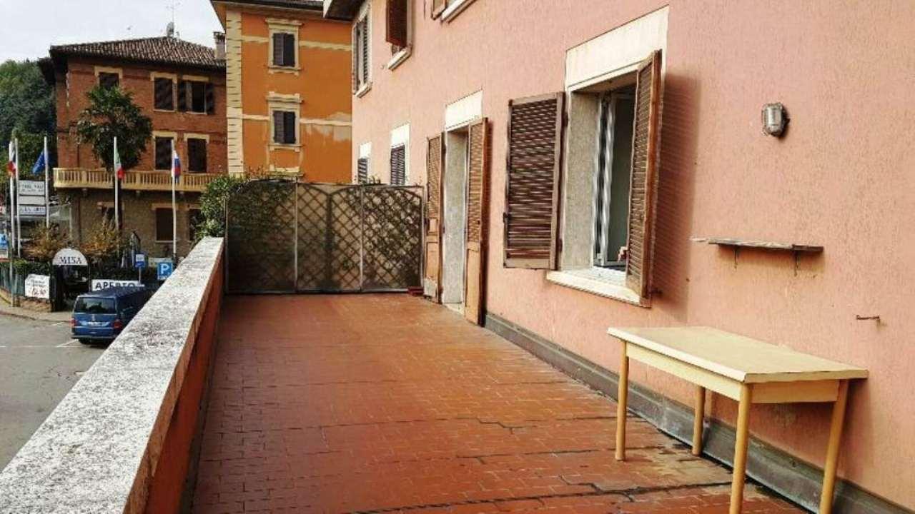 Appartamento in condizioni mediocri parzialmente arredato in vendita Rif. 4914742