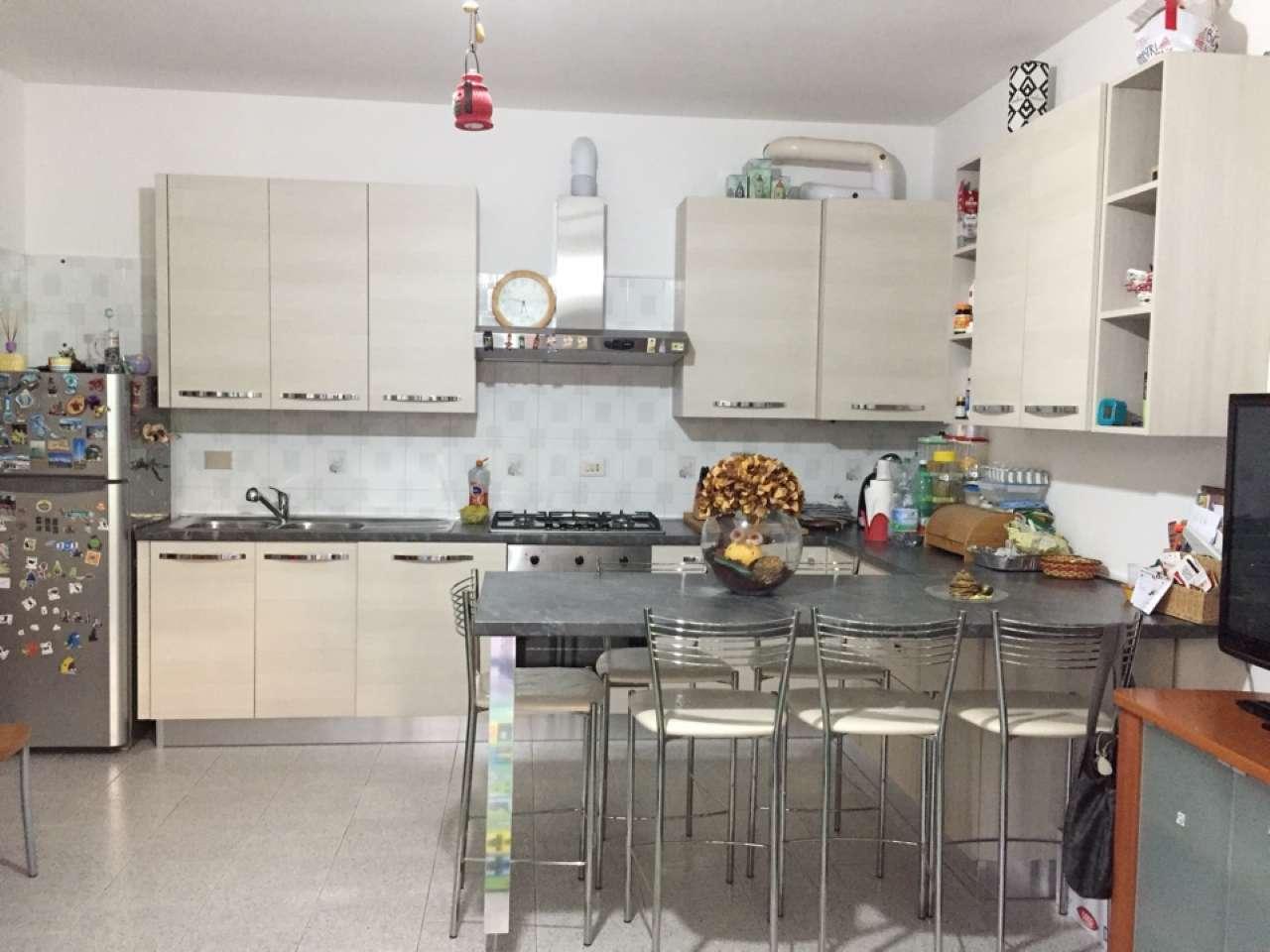Appartamento in buone condizioni parzialmente arredato in vendita Rif. 7096488