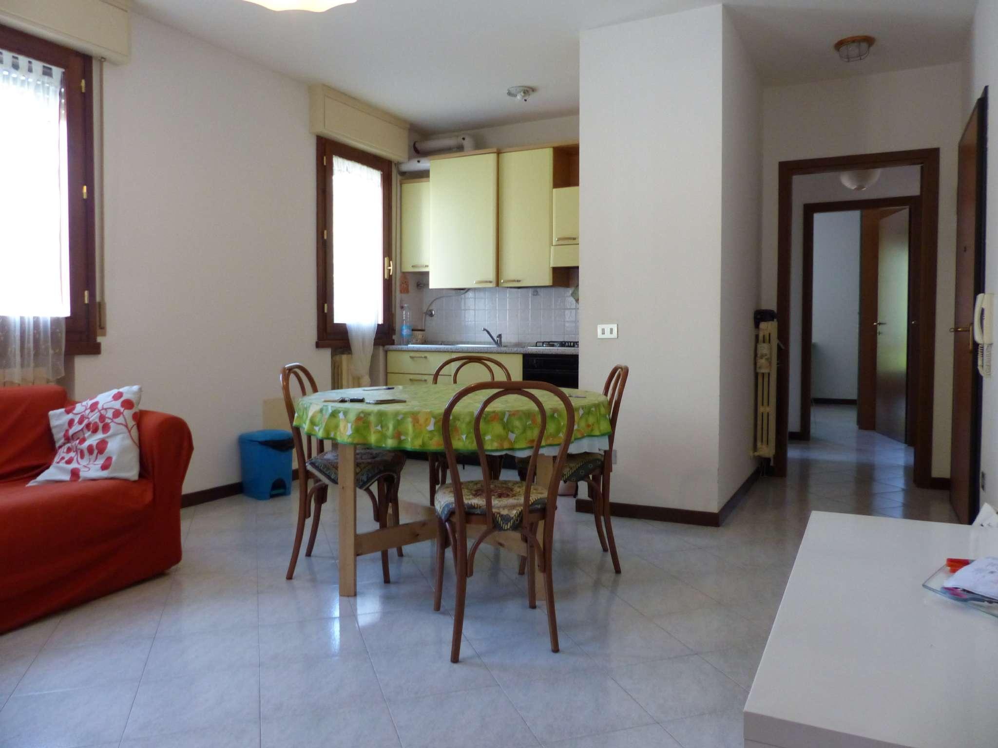 Appartamento in buone condizioni arredato in vendita Rif. 7518861