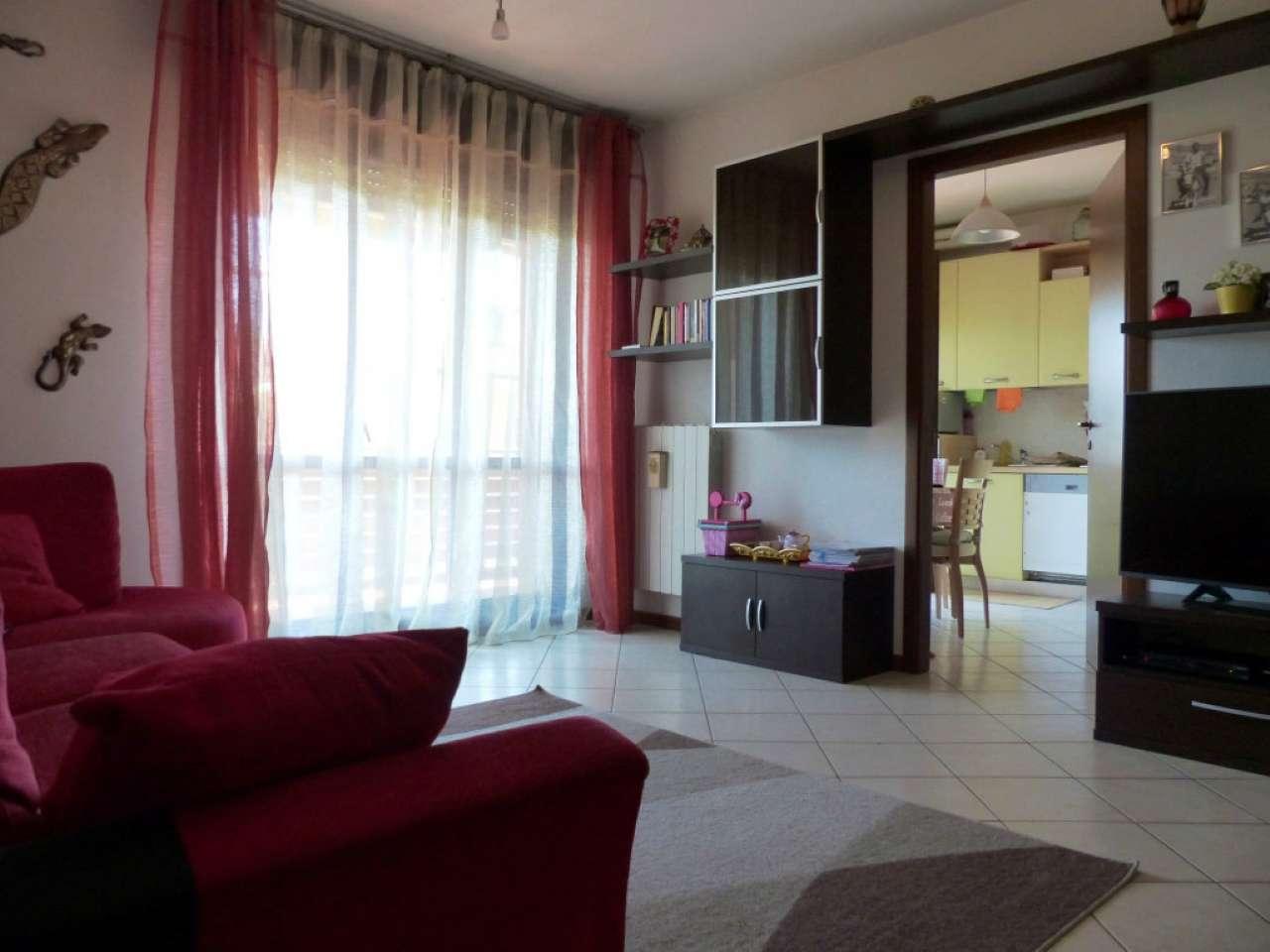 Appartamento in ottime condizioni parzialmente arredato in vendita Rif. 7810389
