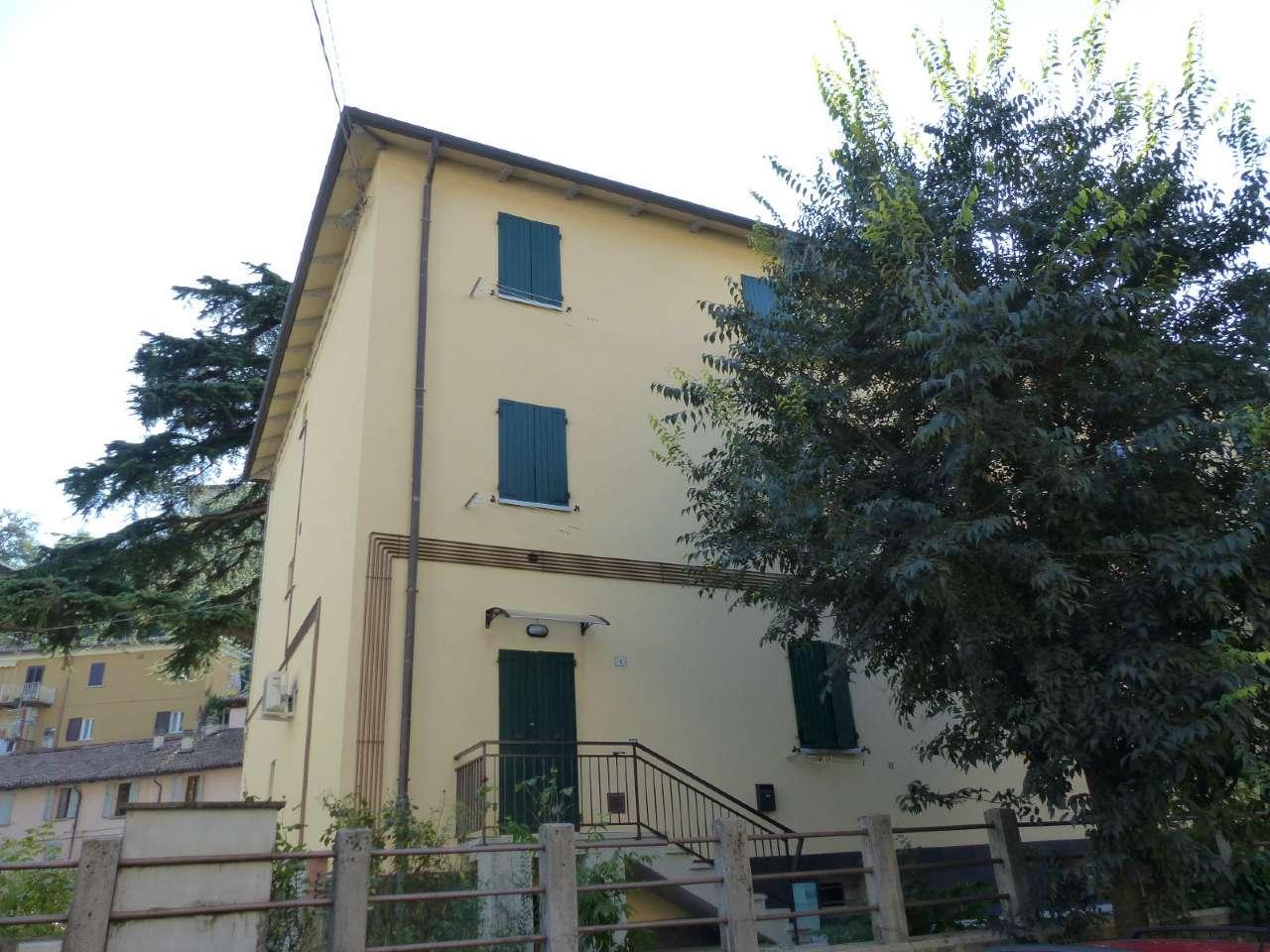 Appartamento in buone condizioni arredato in vendita Rif. 7859504