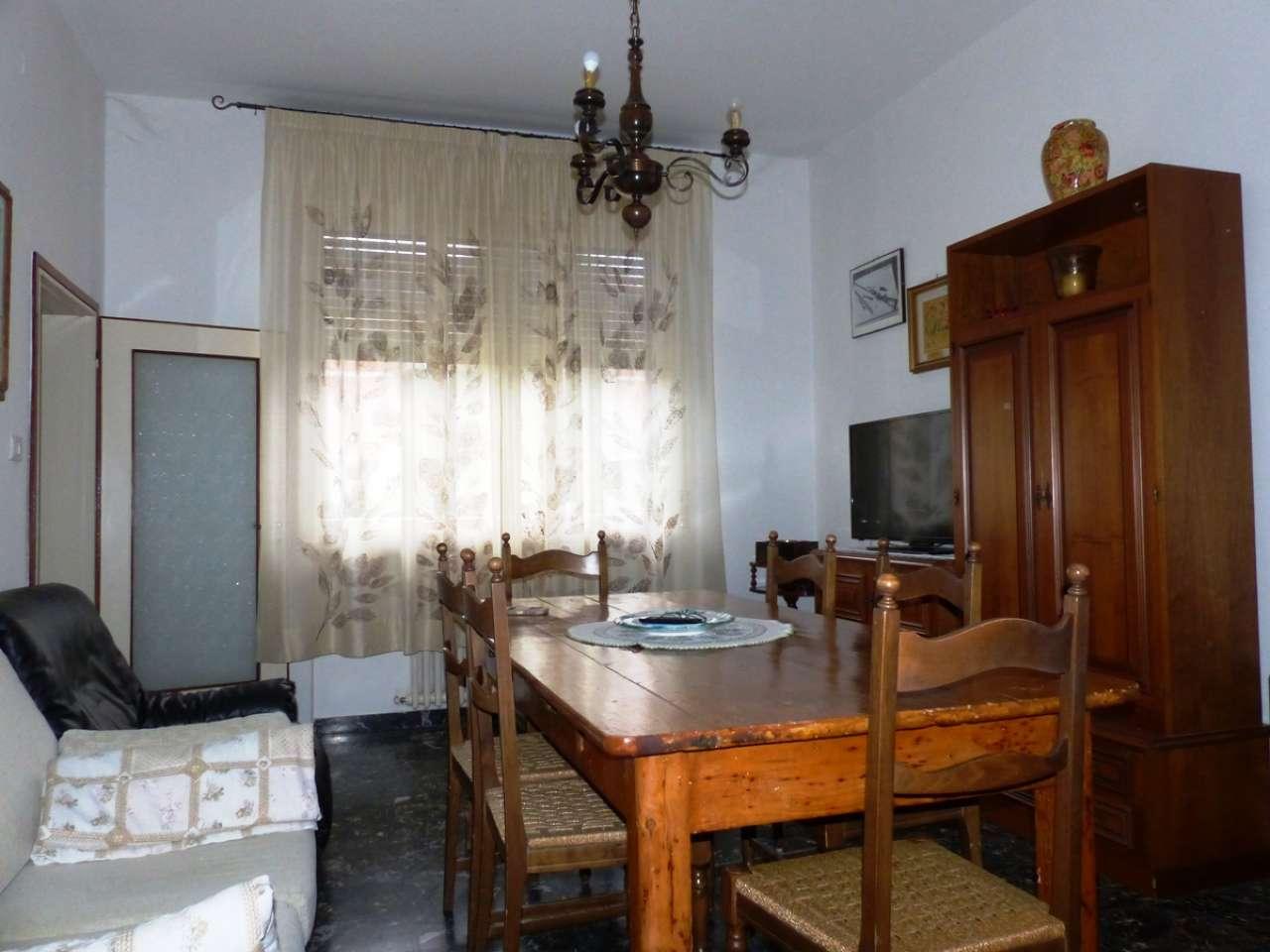 Appartamento da ristrutturare parzialmente arredato in vendita Rif. 8156242