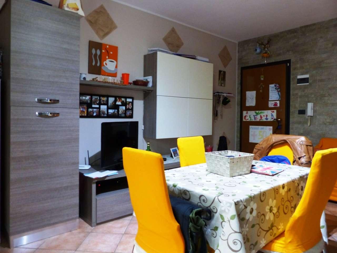 Appartamento in ottime condizioni parzialmente arredato in vendita Rif. 8760211