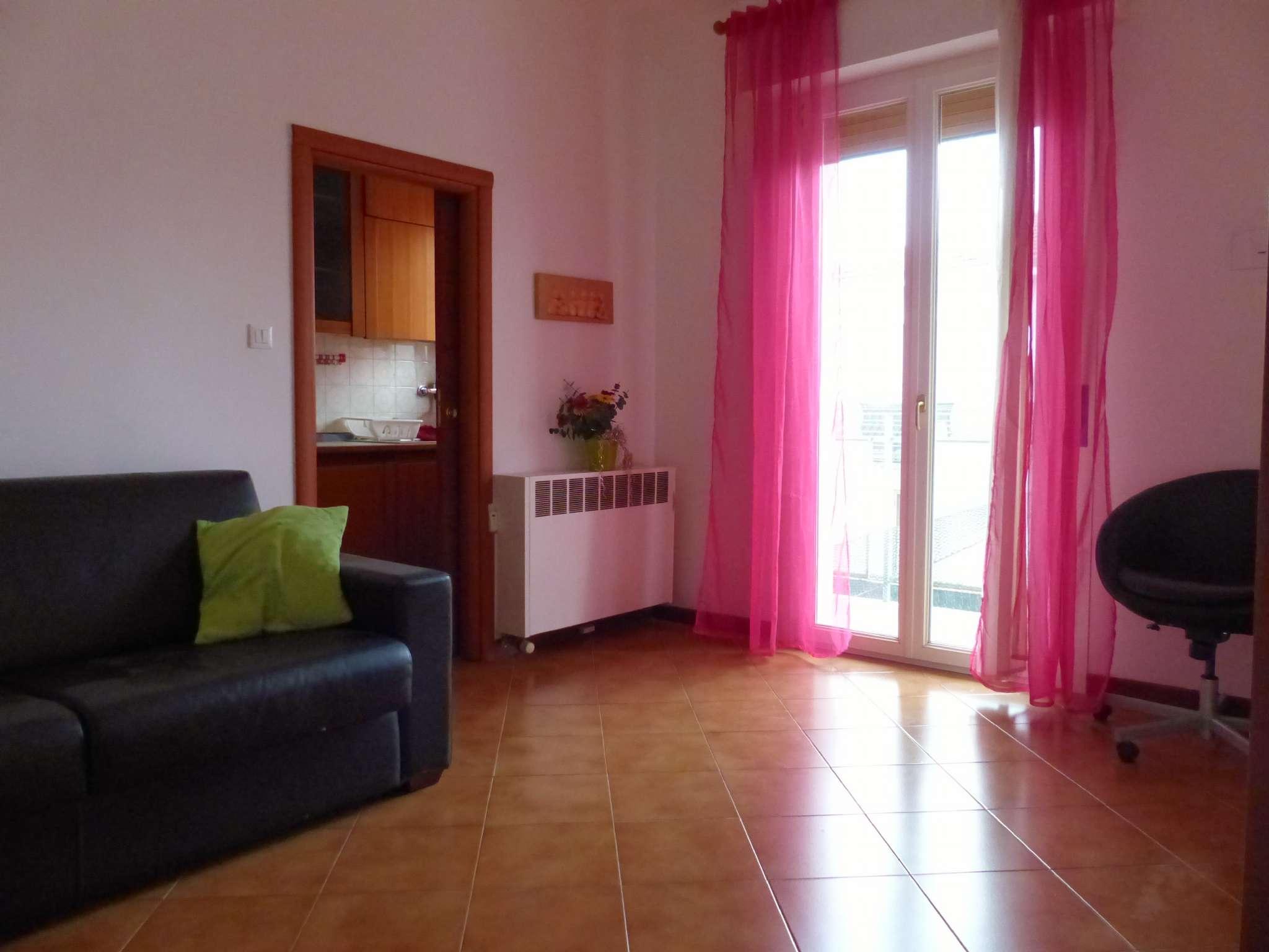 Appartamento in buone condizioni parzialmente arredato in vendita Rif. 8831333