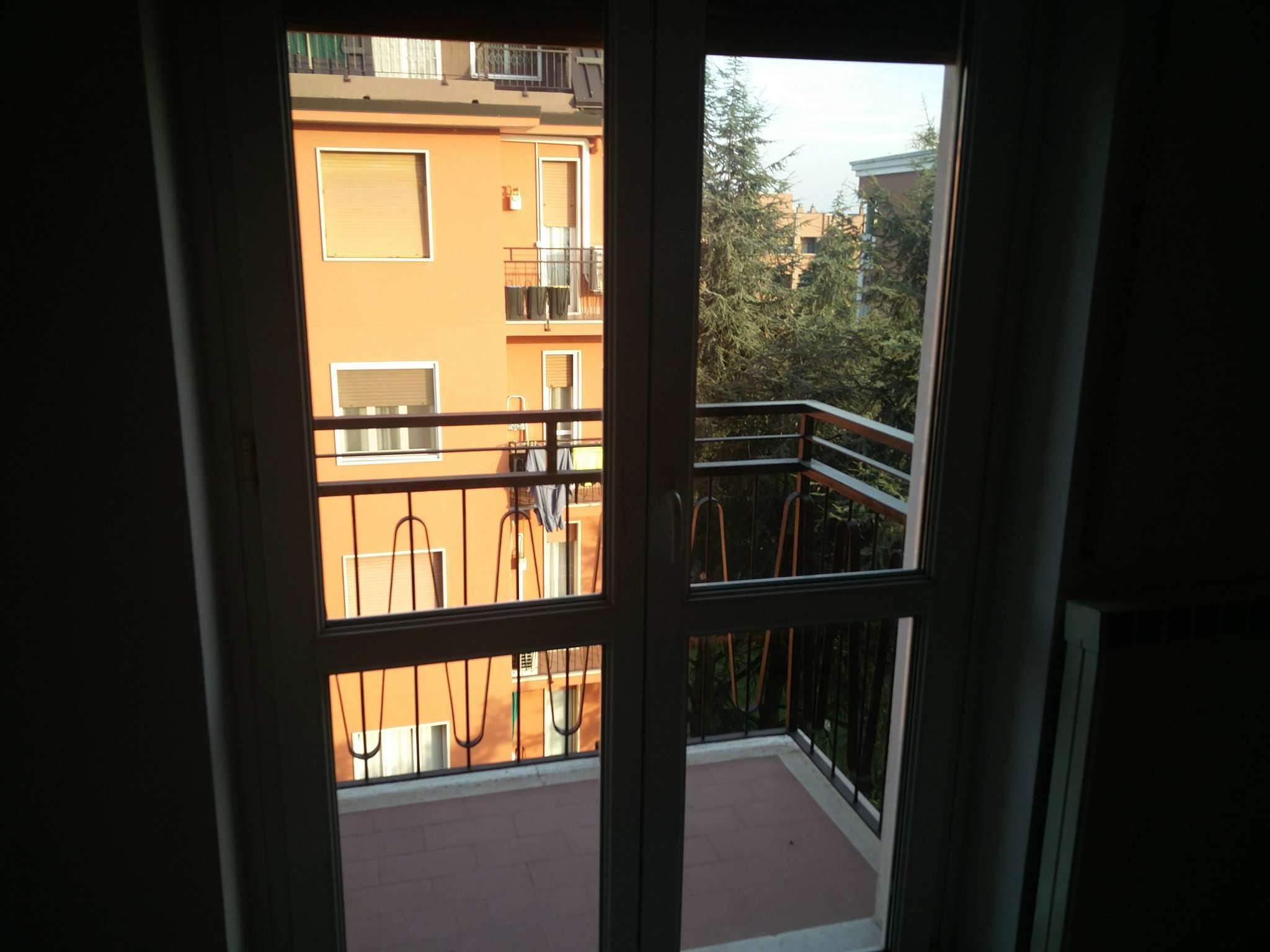 Appartamento in buone condizioni parzialmente arredato in affitto Rif. 8862295
