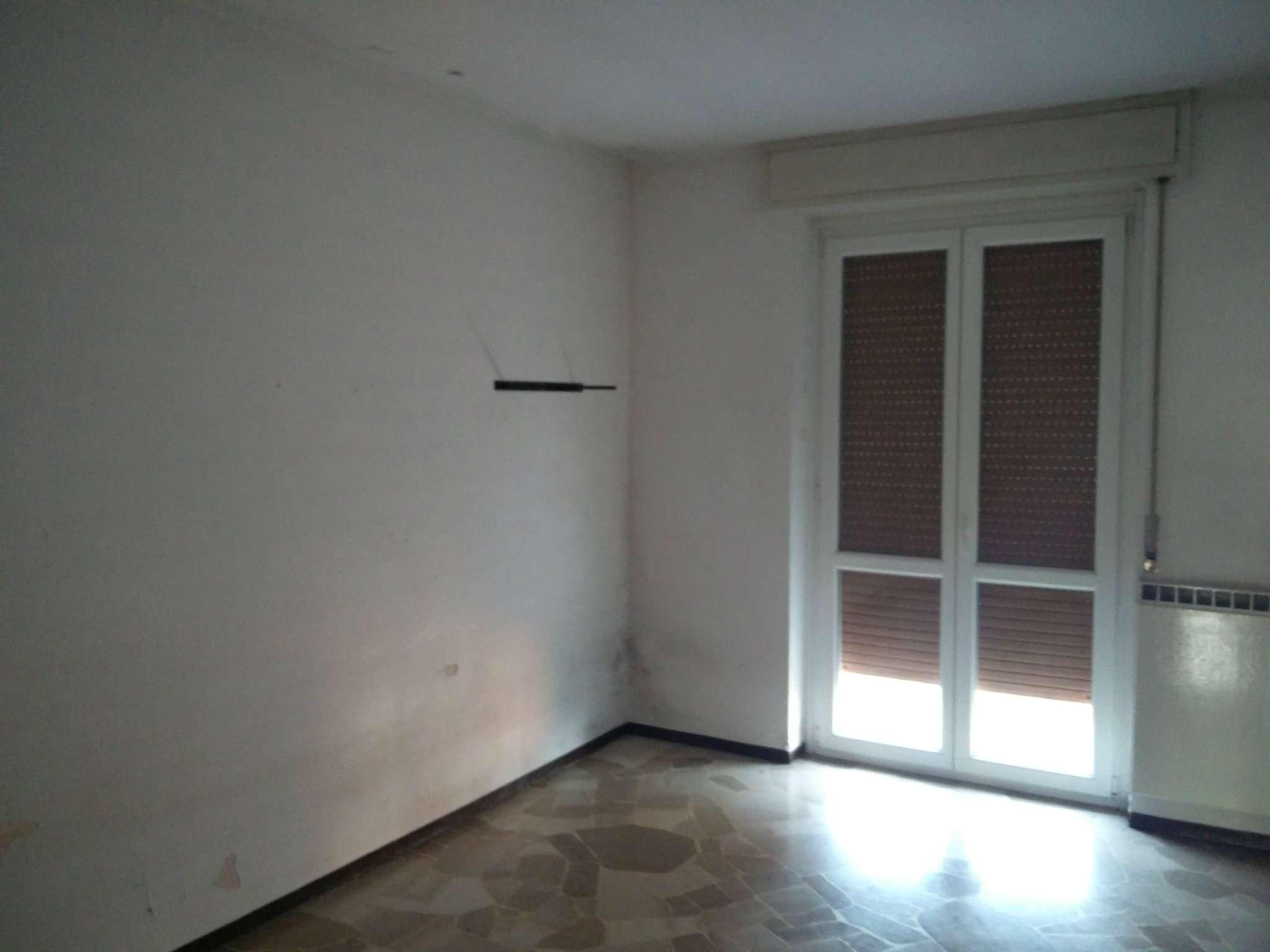 Appartamento in condizioni mediocri in affitto Rif. 8862296