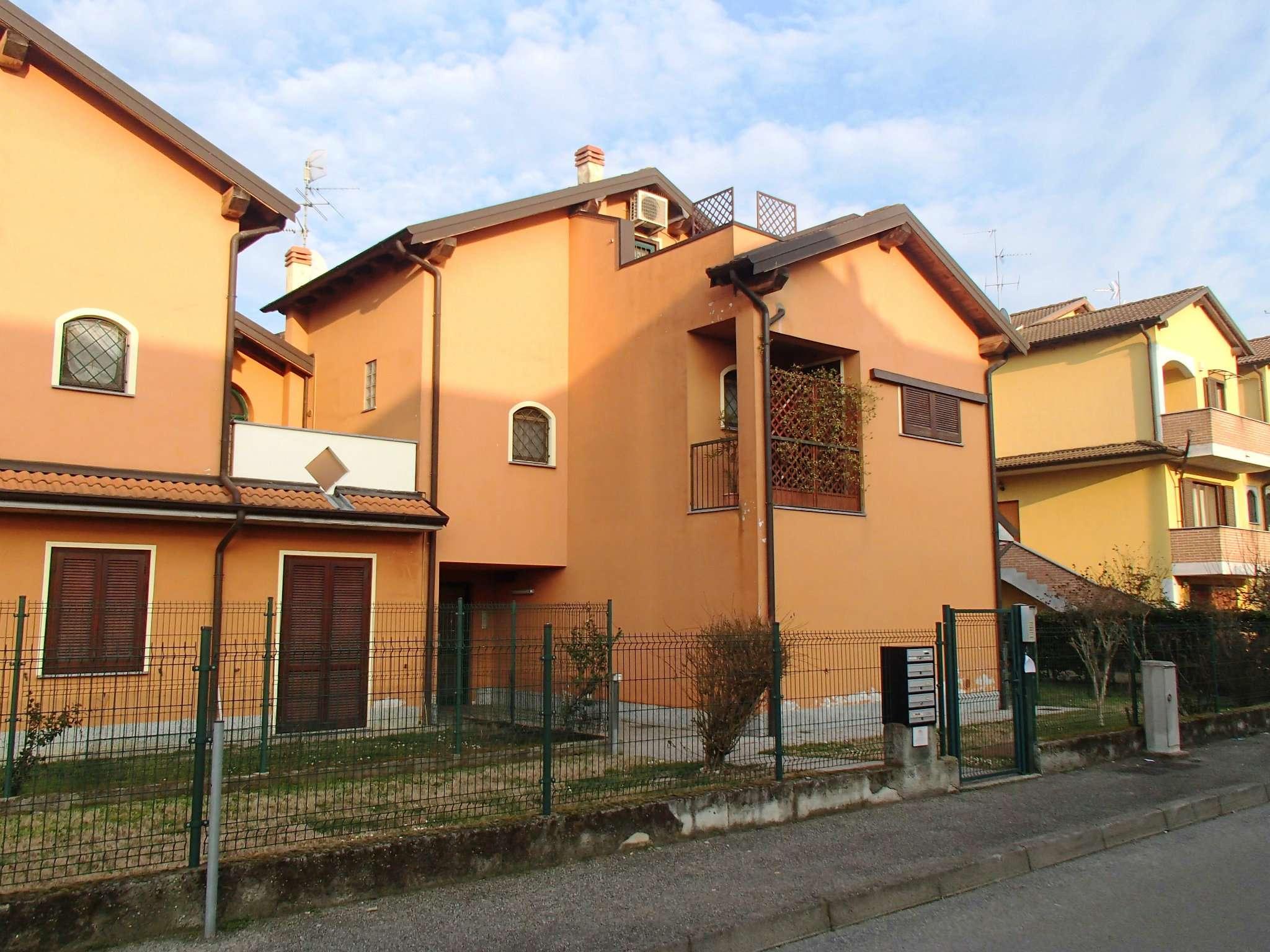 Appartamento in ottime condizioni in vendita Rif. 4926961