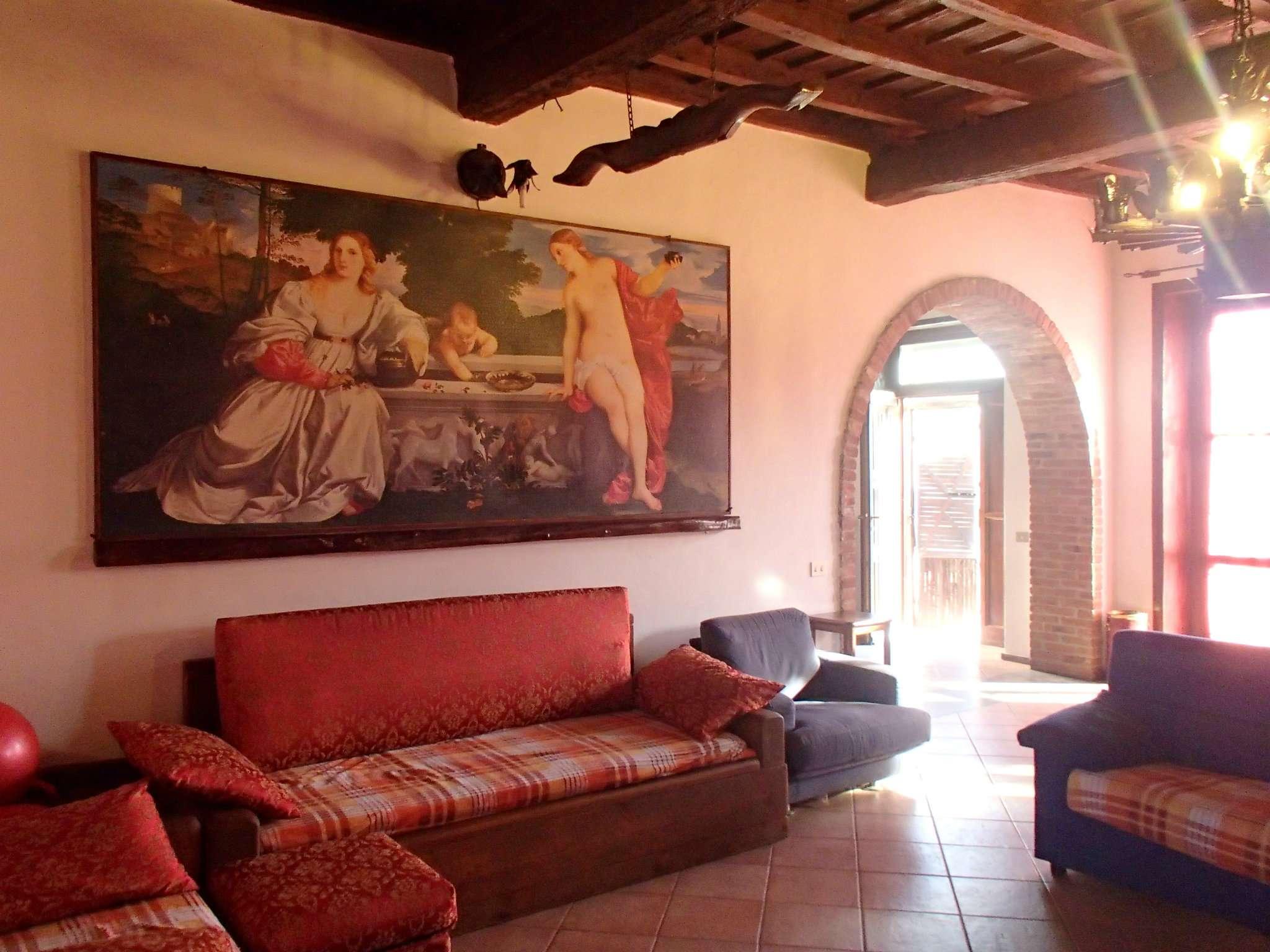 Rustico / Casale in vendita a Vistarino, 5 locali, prezzo € 450.000 | CambioCasa.it