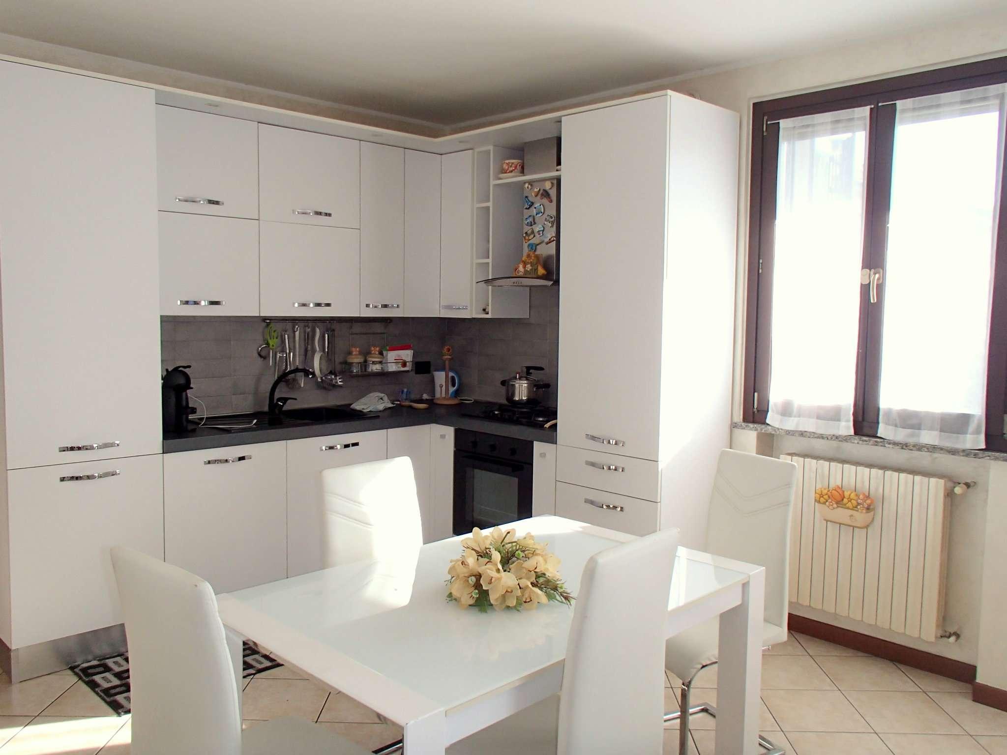 Appartamento in ottime condizioni in vendita Rif. 4926970