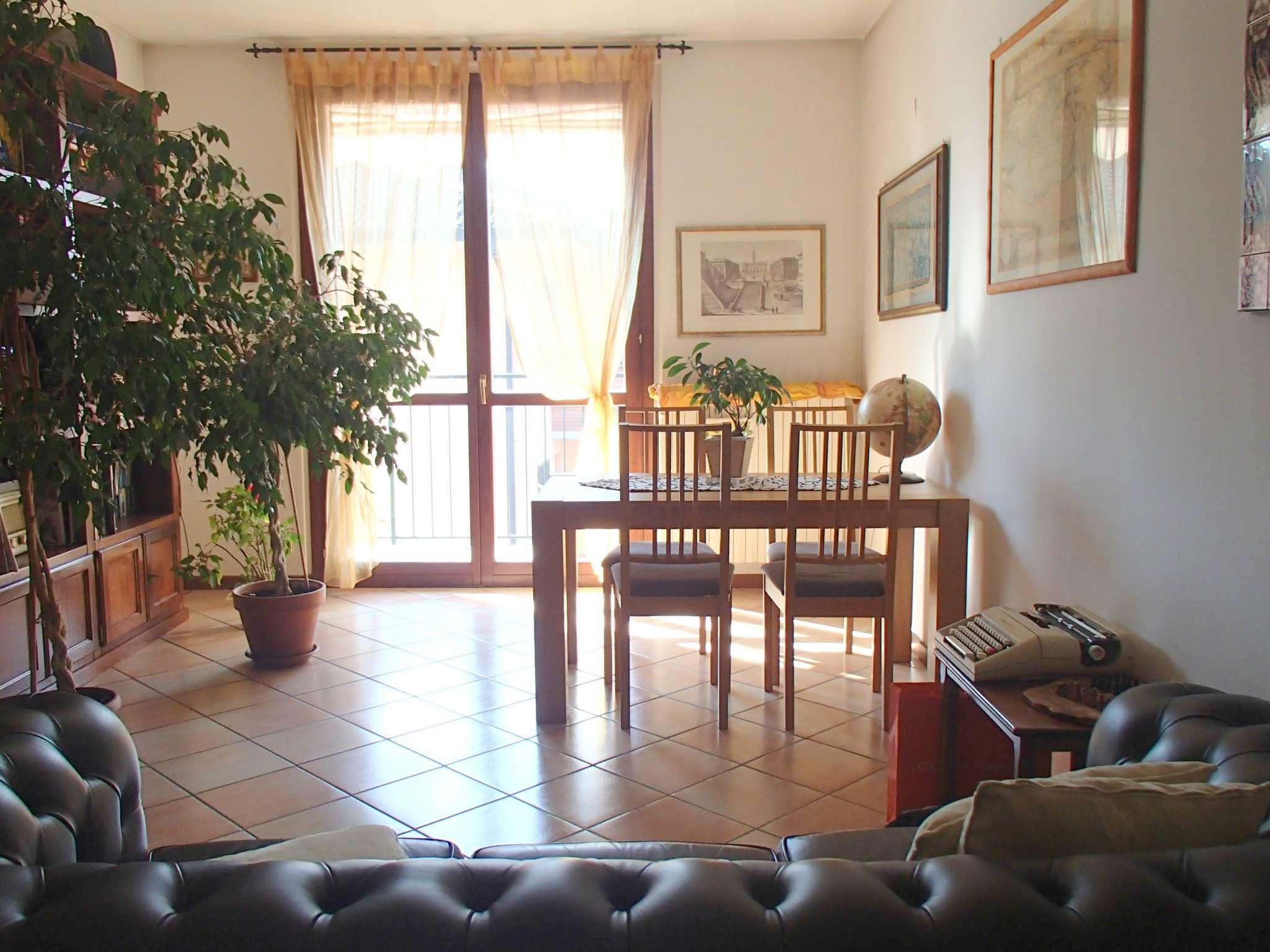 Appartamento in vendita a Vidigulfo, 4 locali, prezzo € 165.000 | CambioCasa.it