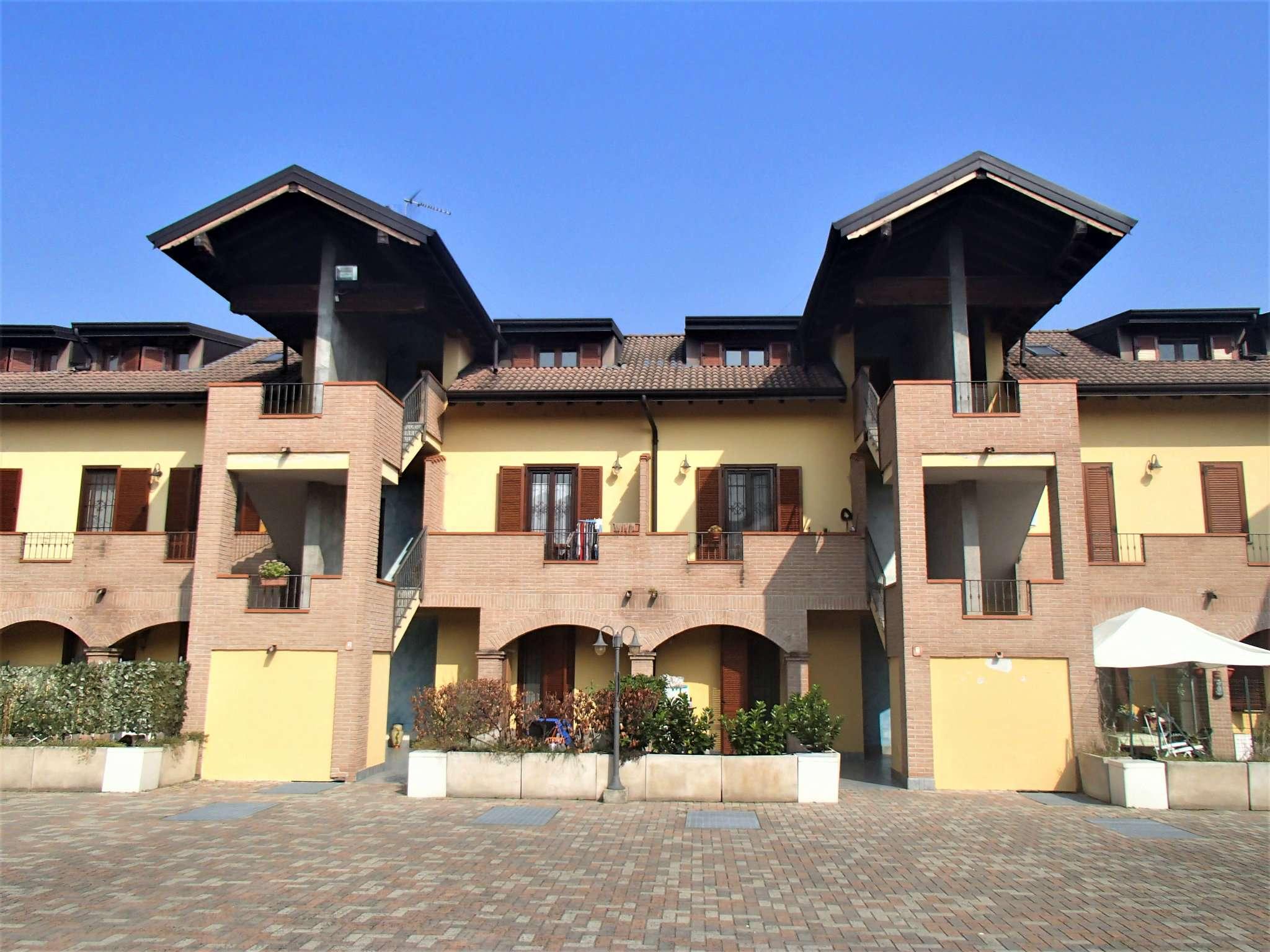 Appartamento in vendita a Vidigulfo, 3 locali, prezzo € 125.000 | CambioCasa.it