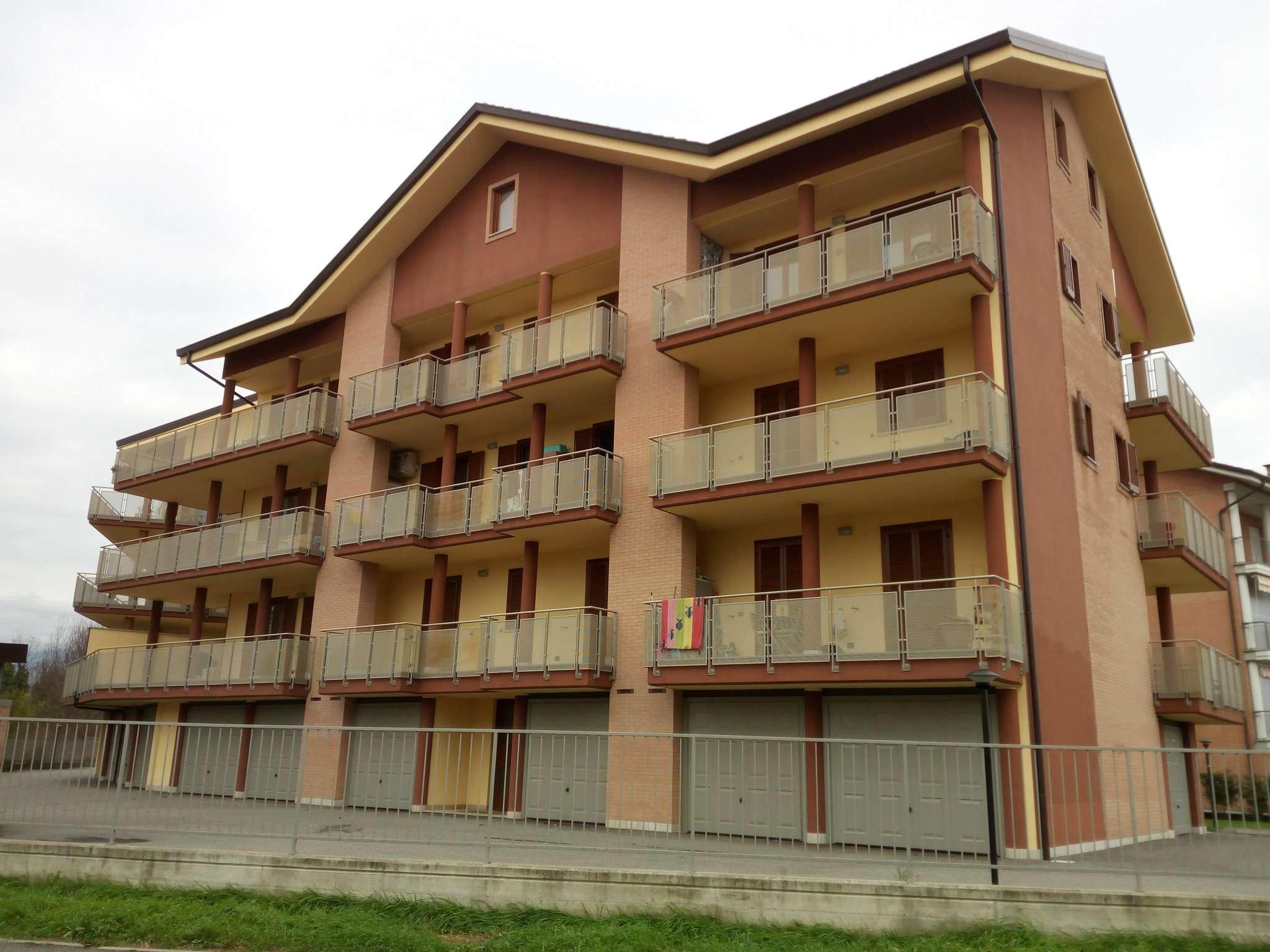 Appartamento in ottime condizioni arredato in affitto Rif. 5924589