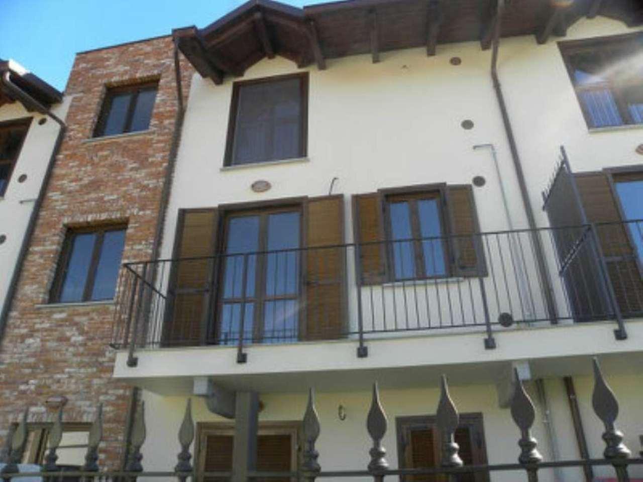 Appartamento in ottime condizioni parzialmente arredato in affitto Rif. 5924587